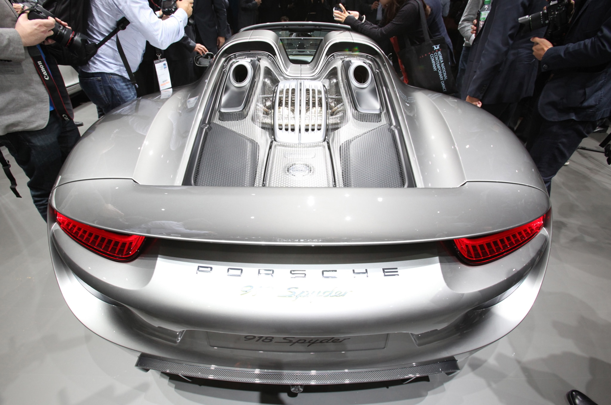 porsche 918 spyder debuta en el auto show de frankfurt autos terra. Black Bedroom Furniture Sets. Home Design Ideas
