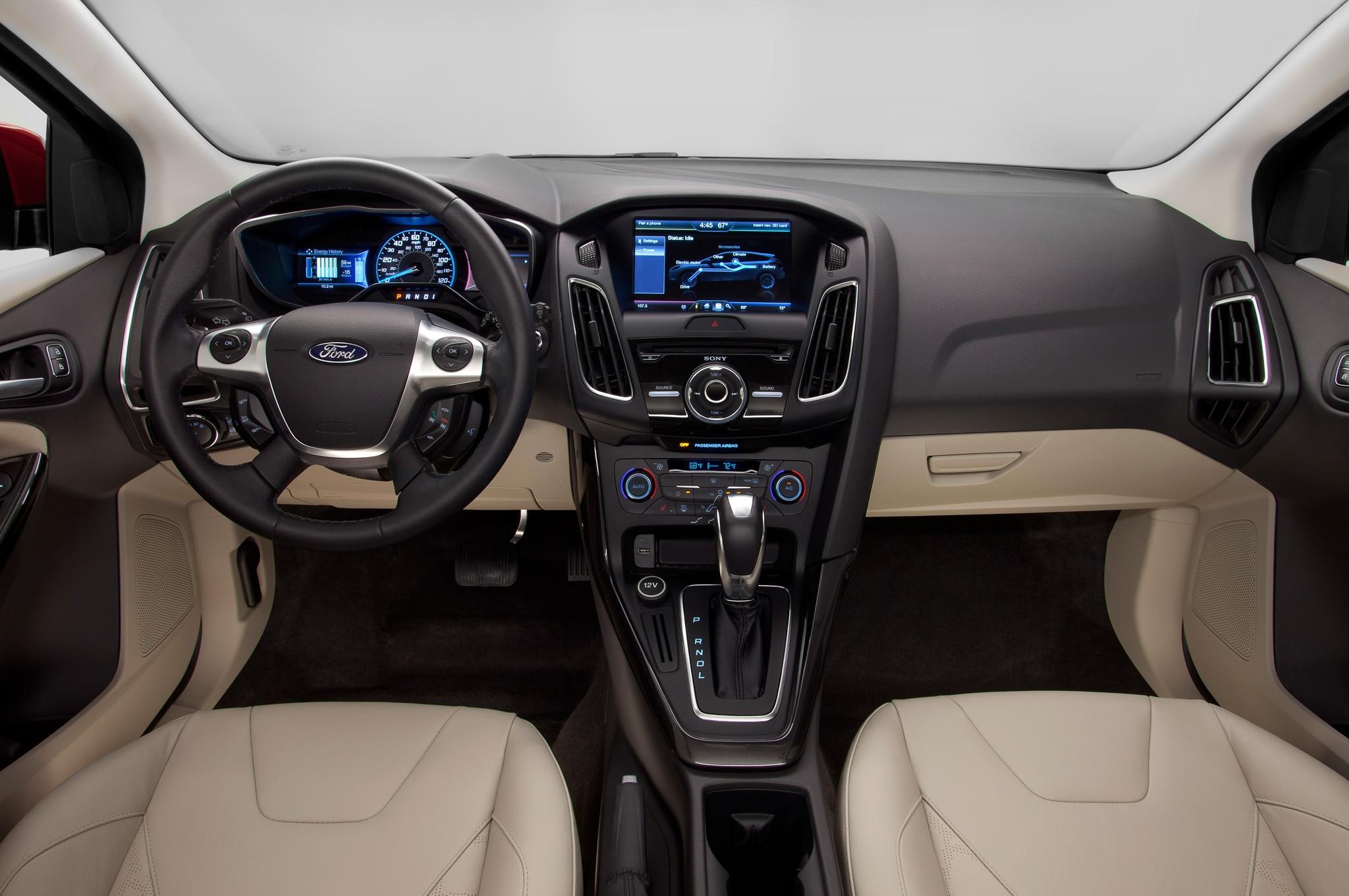 2014 Ford Fiesta Se Interior >> Ford Focus 2015 llega a Nueva York con cambios importantes