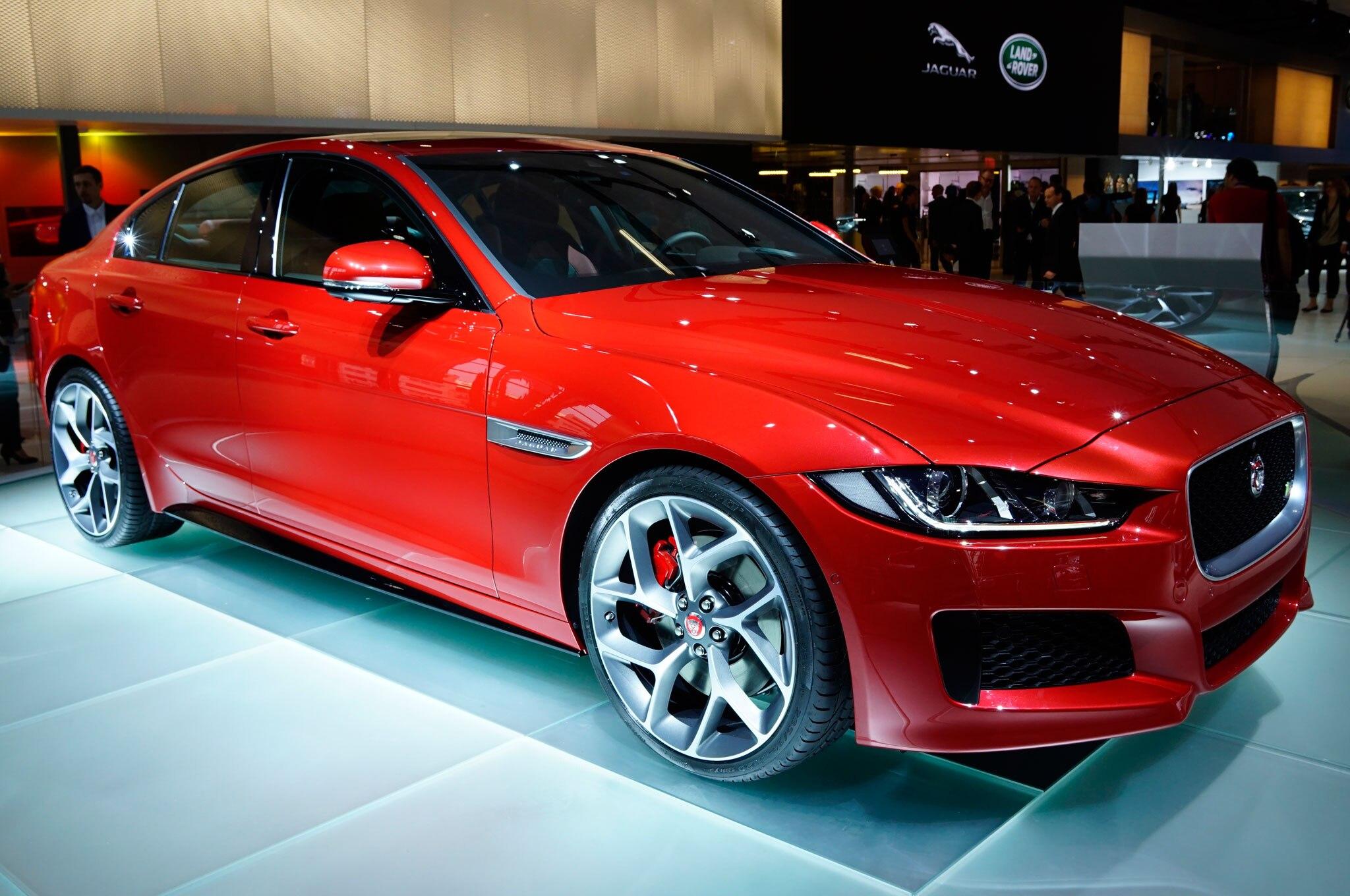 2016 Jaguar XE Front Three Quarter View 1