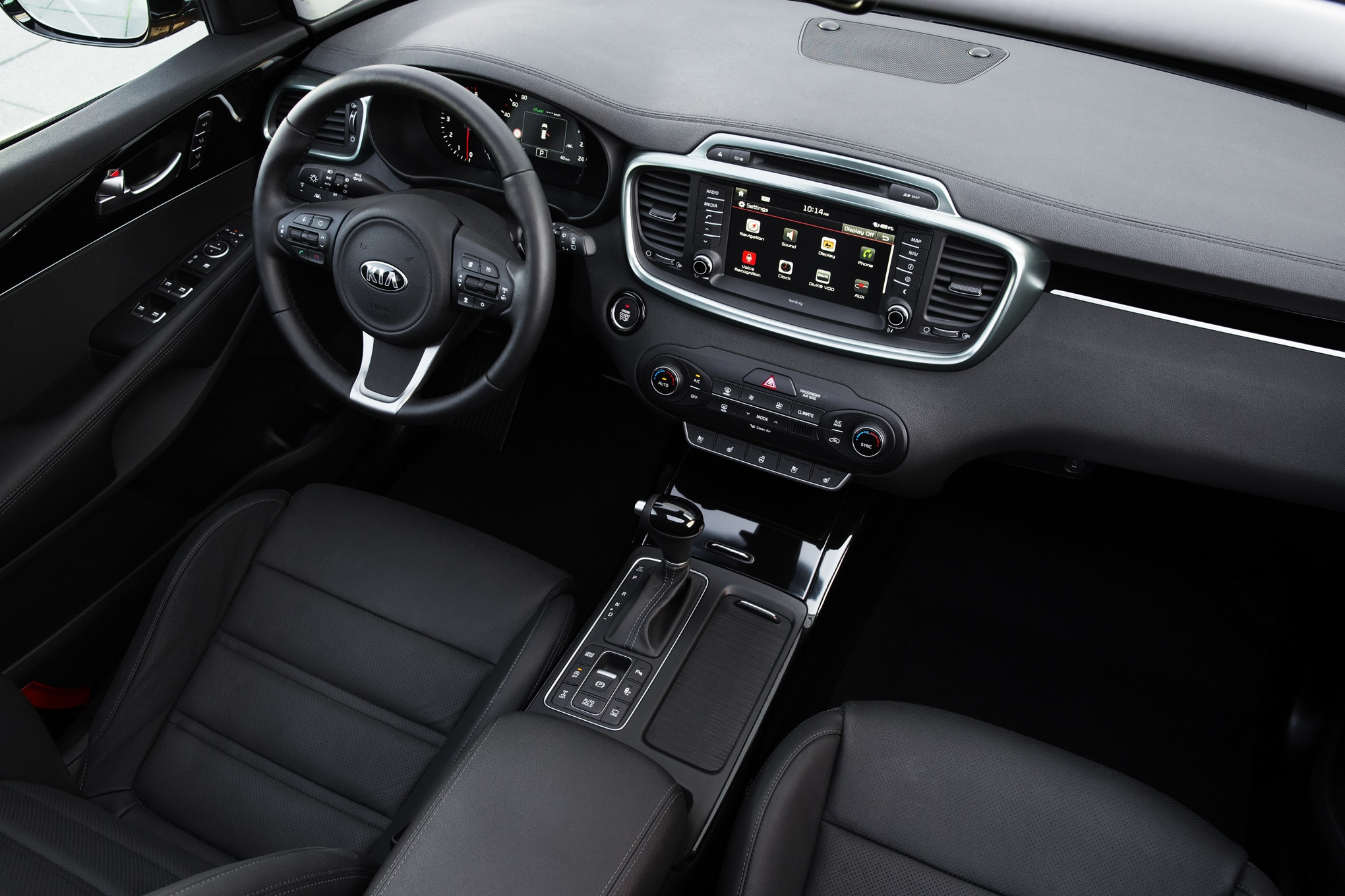 2016-Kia-Sorento-European-Spec-interior1