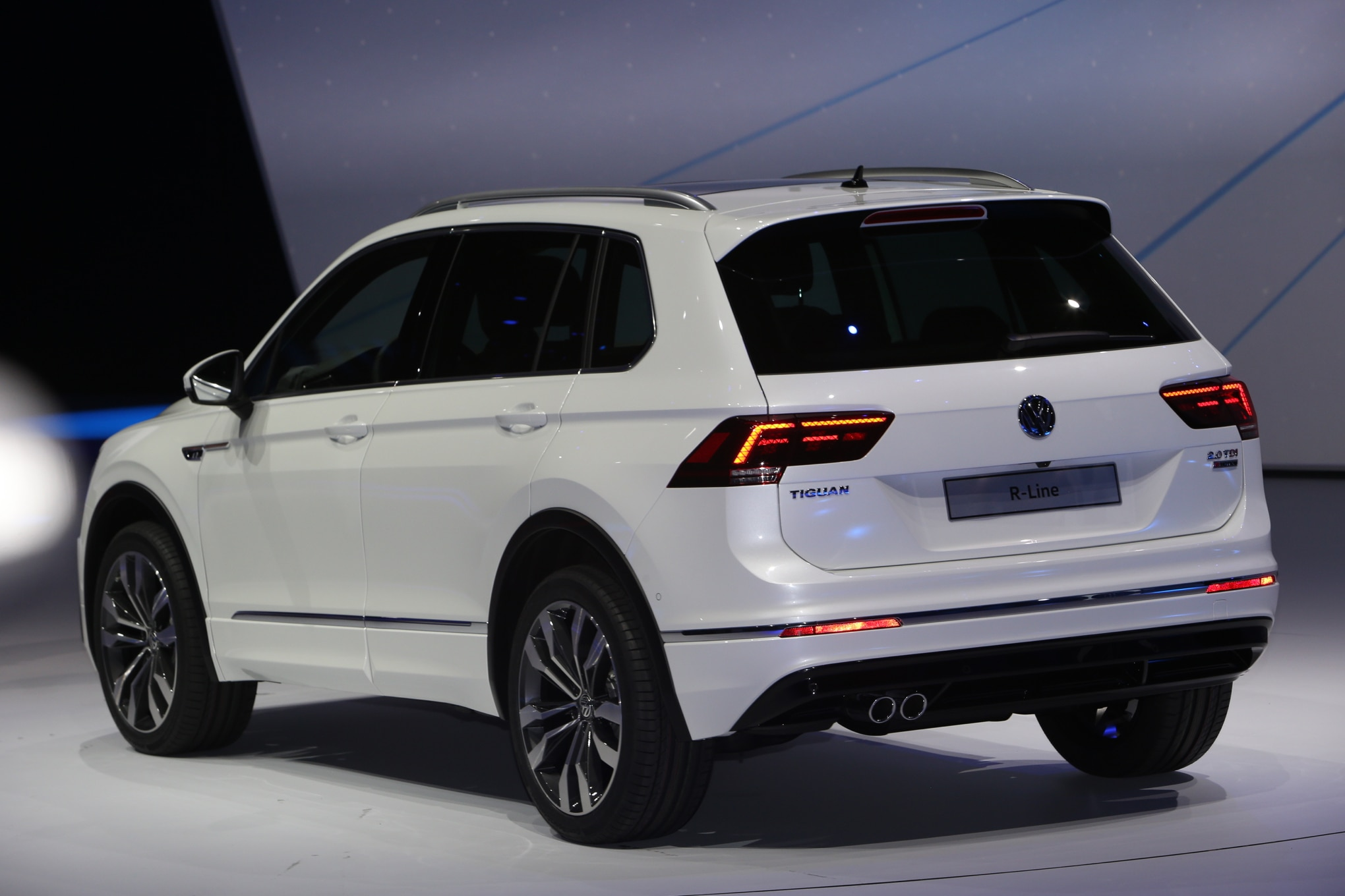 volkswagen tiguan 2017 primer vistazo. Black Bedroom Furniture Sets. Home Design Ideas