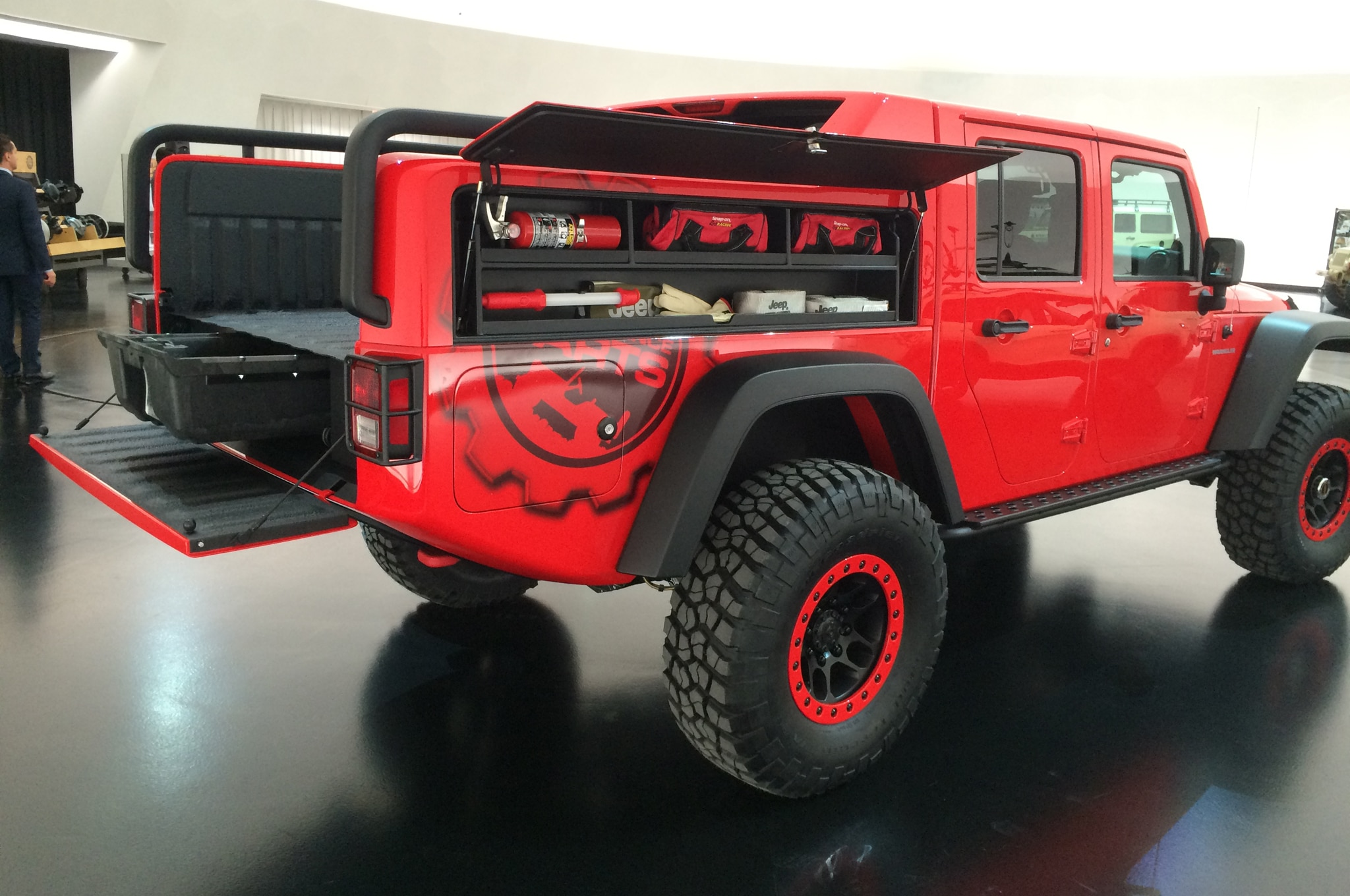 jeep wrangler red rock concept es presentado en sema. Black Bedroom Furniture Sets. Home Design Ideas
