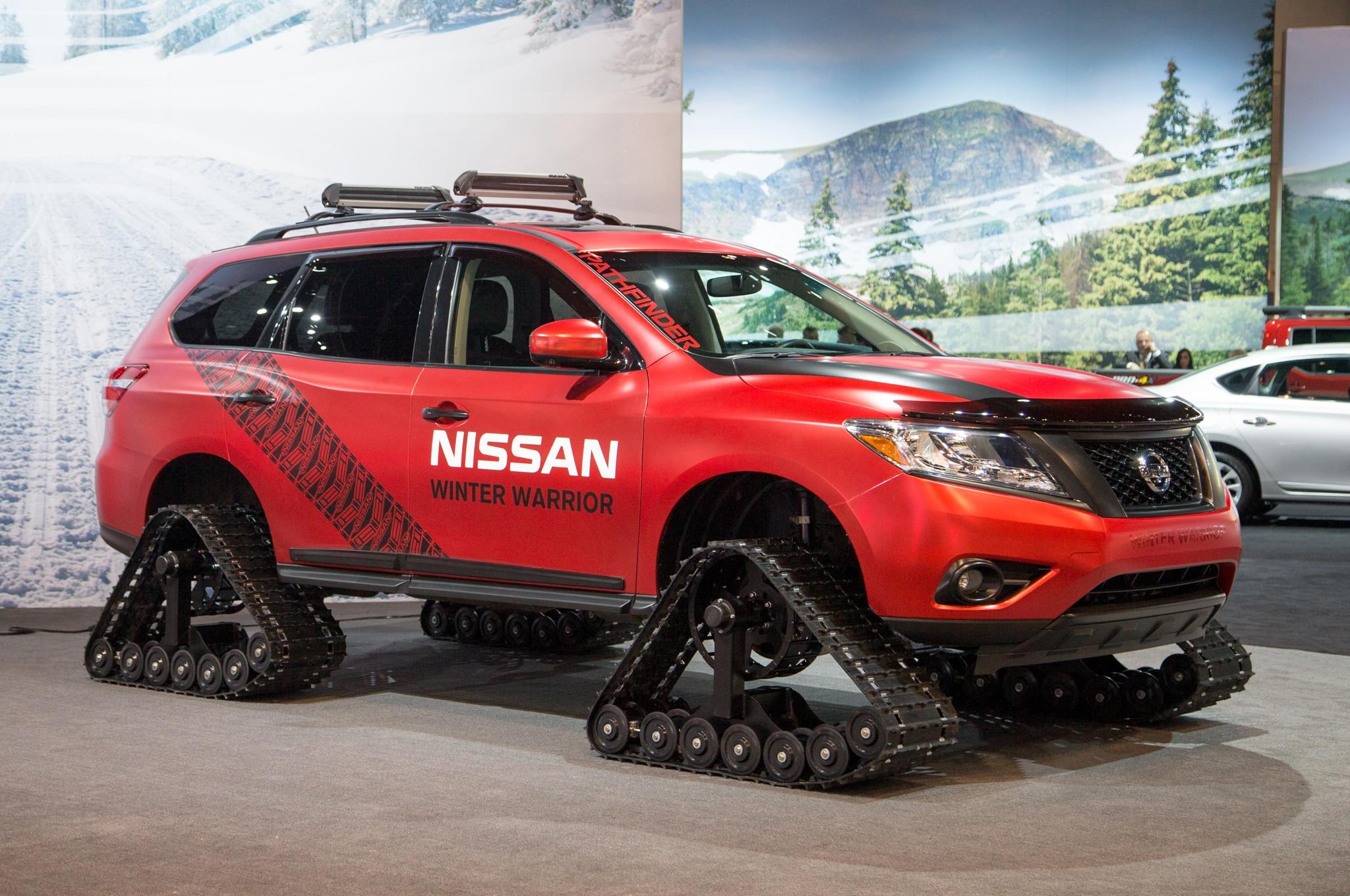 Nissan Pathfinder Winter Warrior Concept Front Three Quarter 021