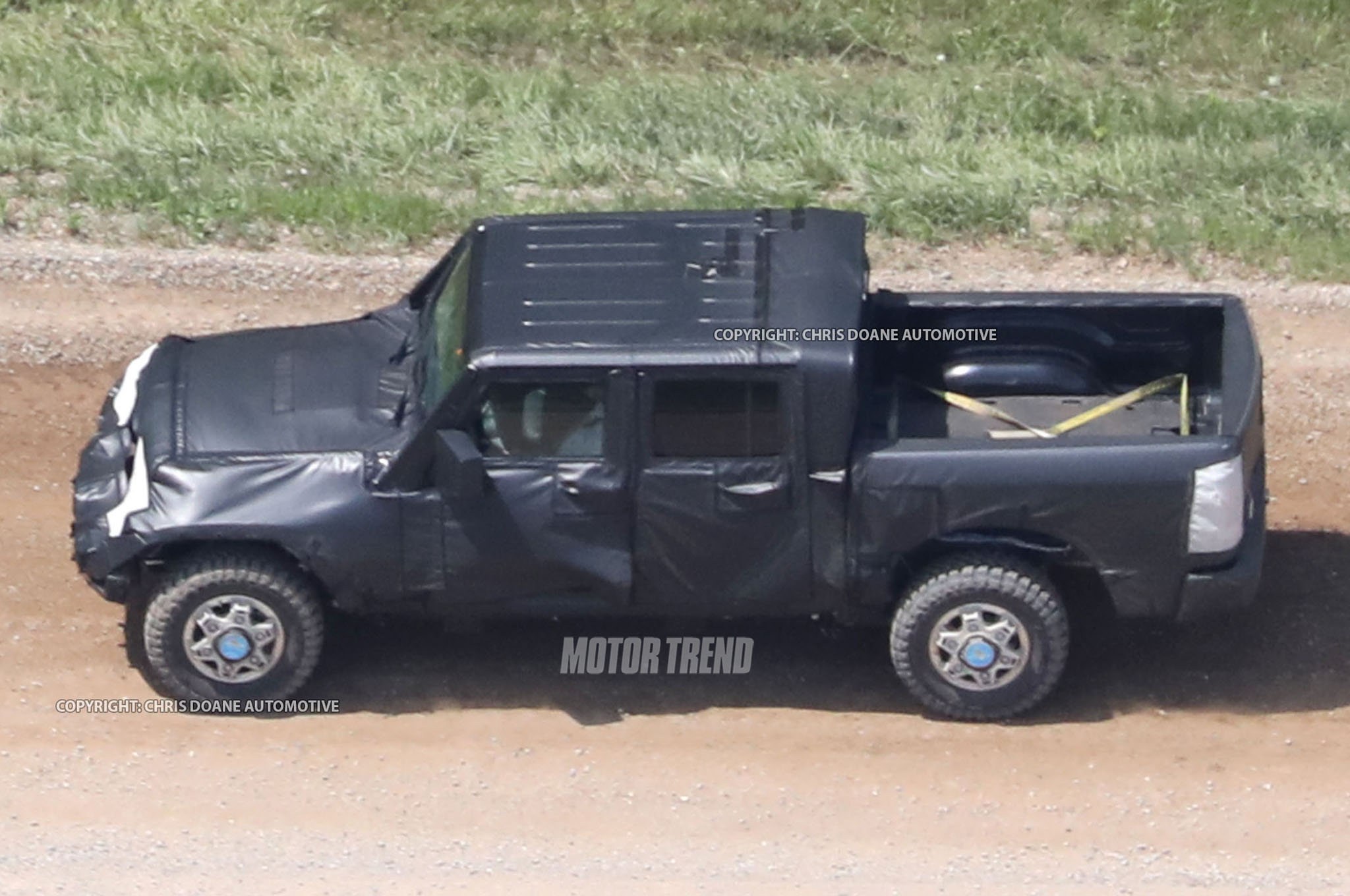 Jeep Wrangler Pickup Side Look View1