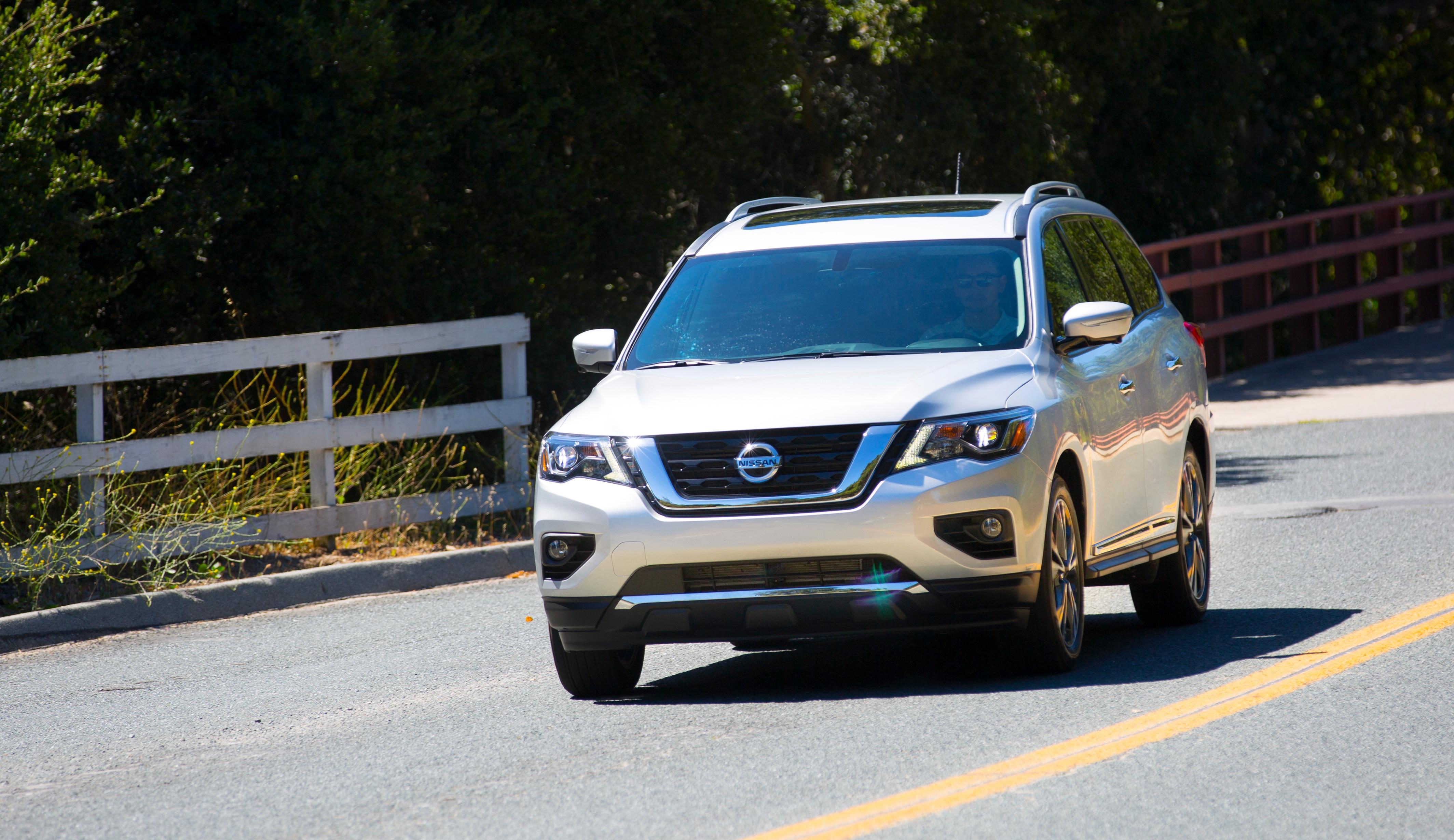 2017 Nissan Pathfinder 03