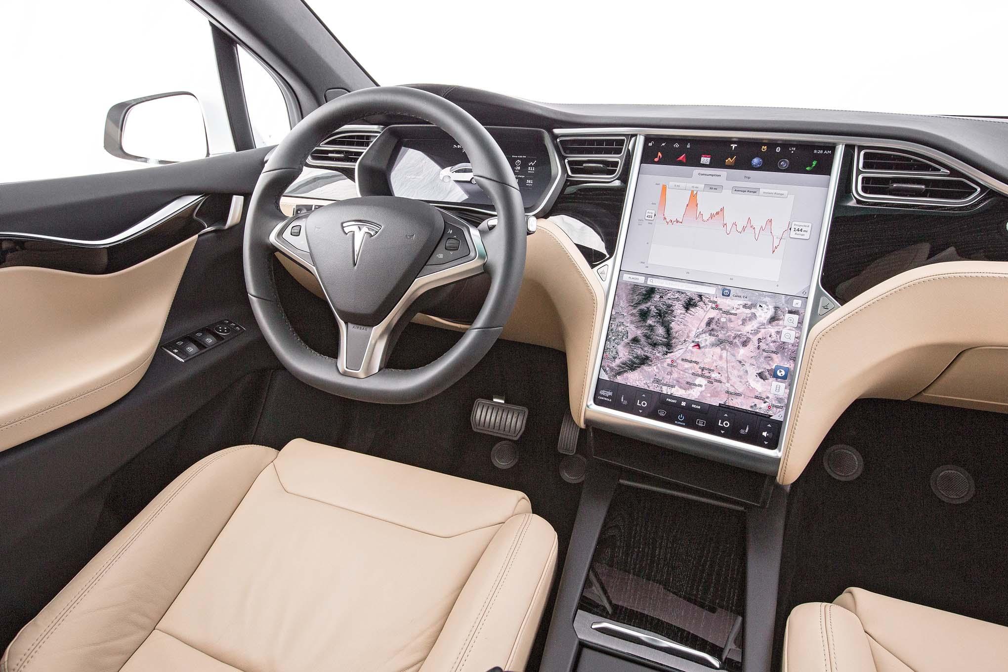 Tesla model x 75d 2016 primera prueba motor trend en for Interior model