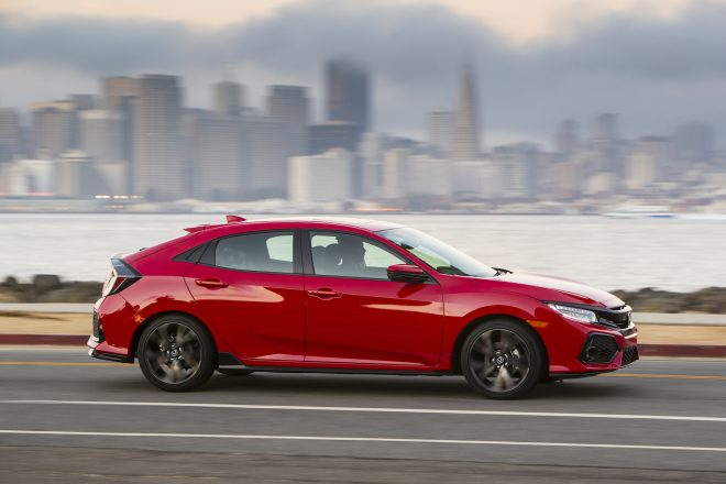 2017 Honda Civic Hatchback 04