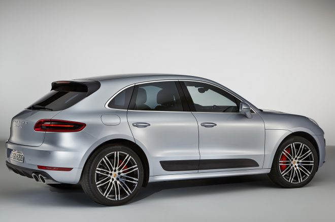 2017 Porsche Macan Turbo Performance Package rear three quarters