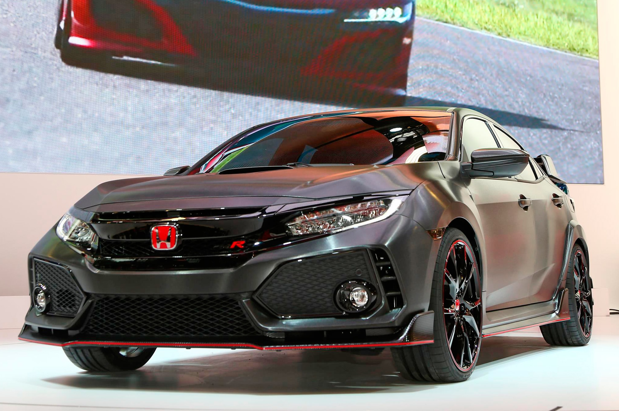 2018 Honda Civic Type R Front Three Quarters