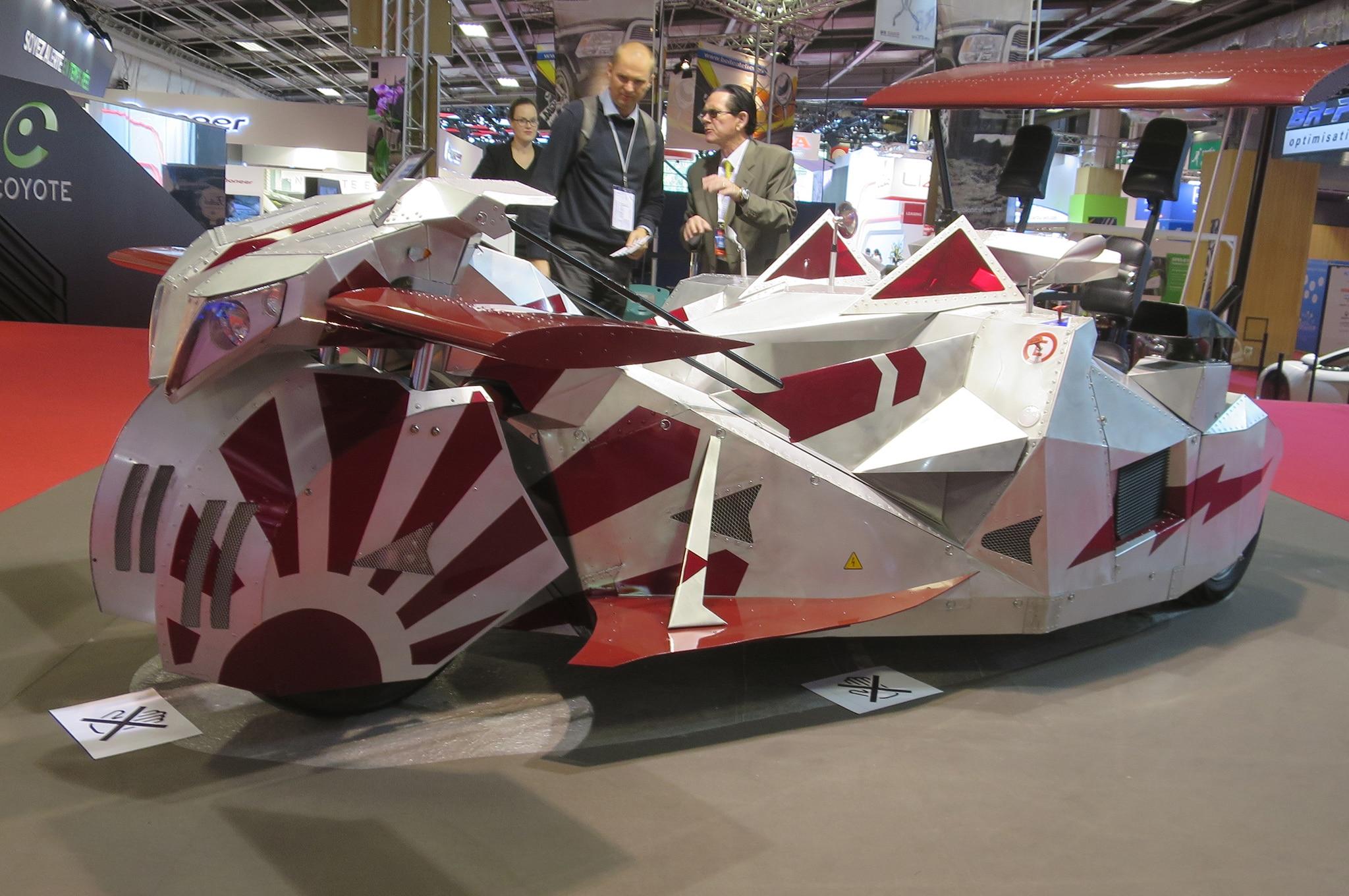 Formula Giol electric trike side