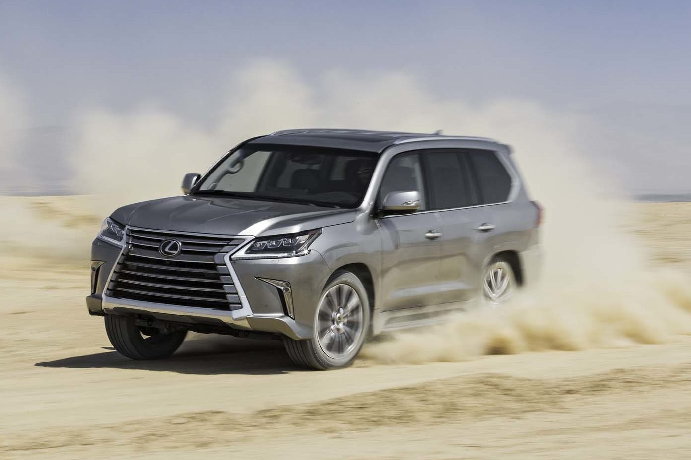 2016 Lexus LX 570 Front Three Quarter In Motion 02 E1477583454730