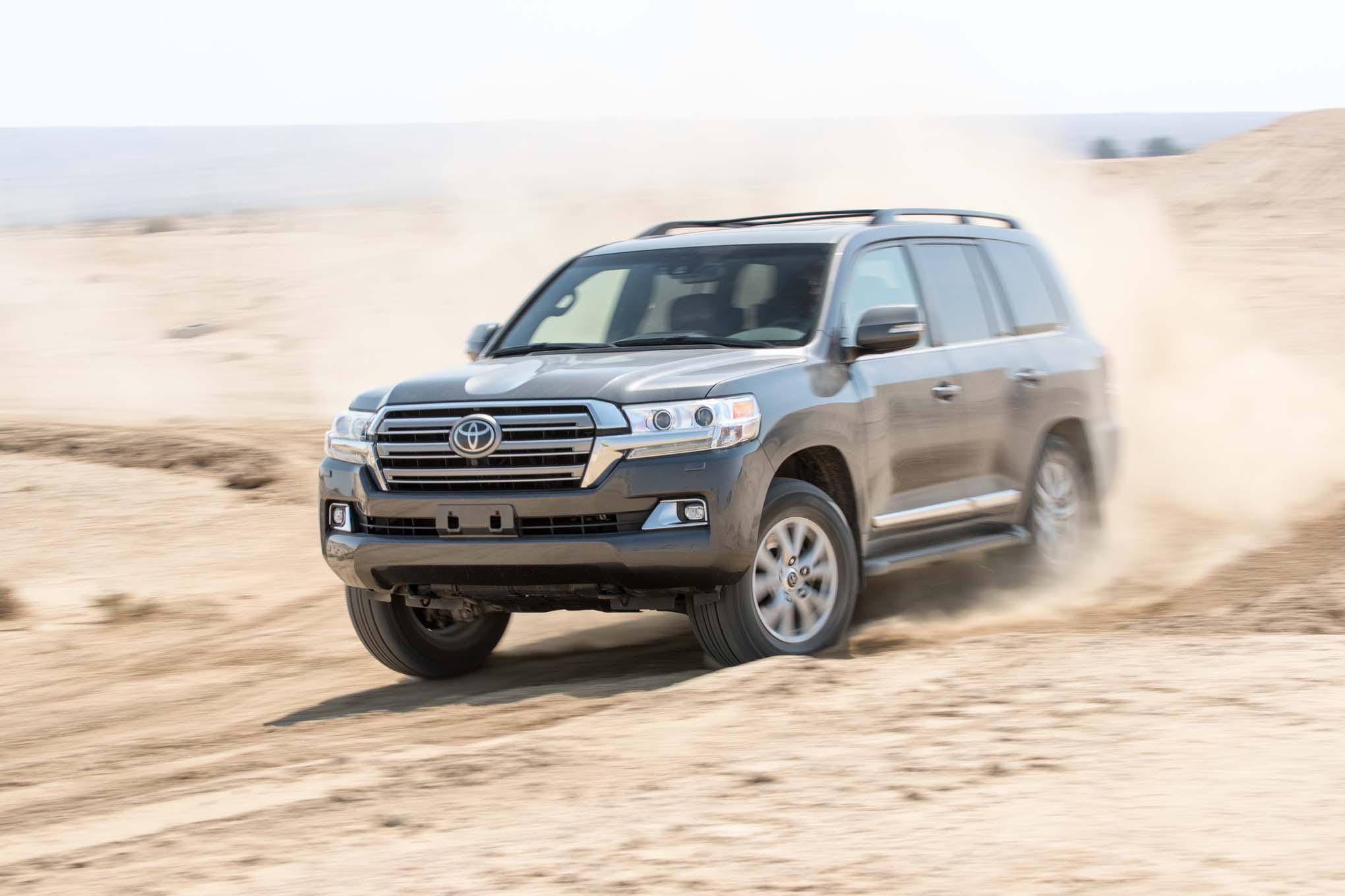 2016 Toyota Land Cruiser Front Three Quarter In Motion