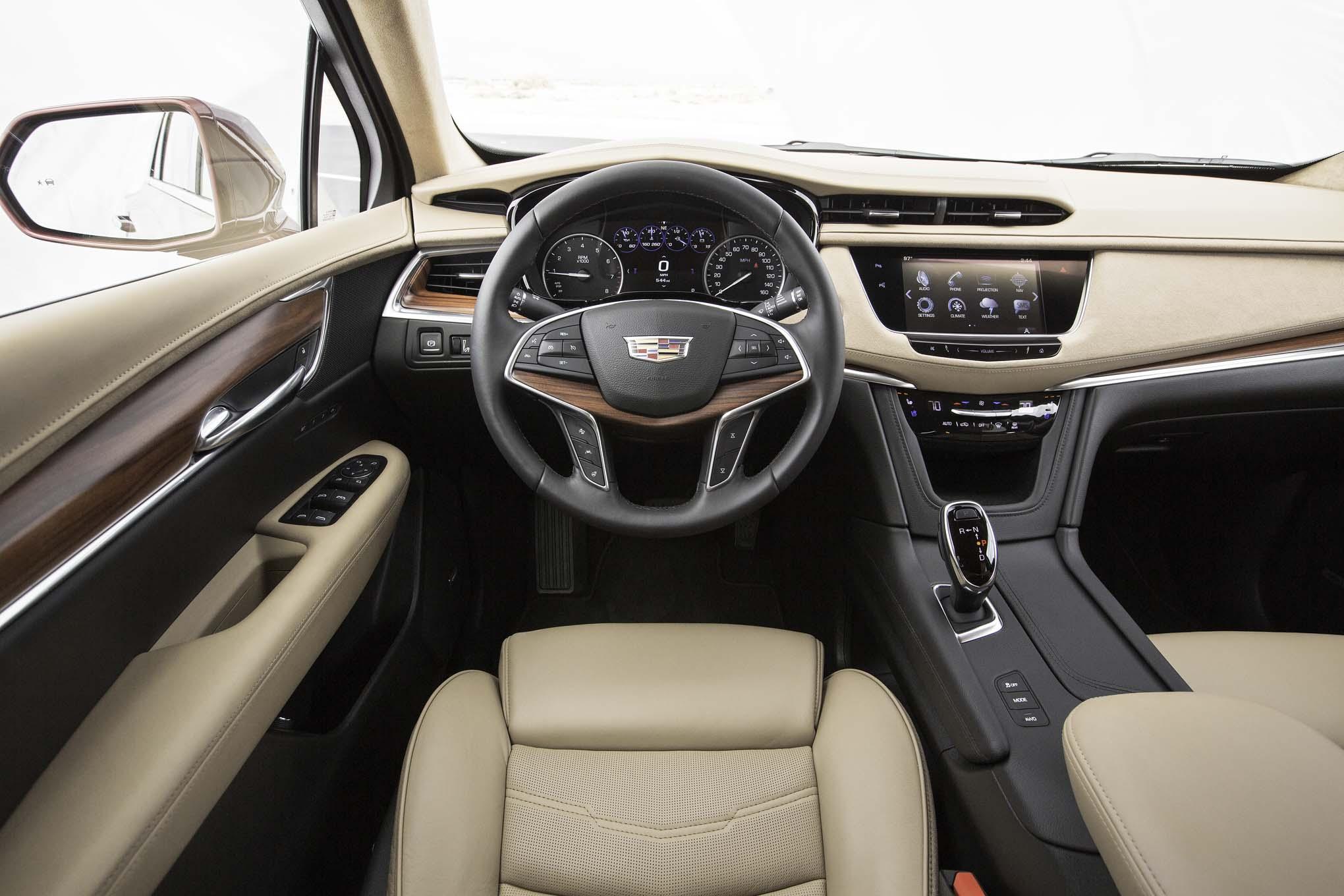 Cadillac Xt5 Contendiente A La Suv Del A 241 O De Motor Trend