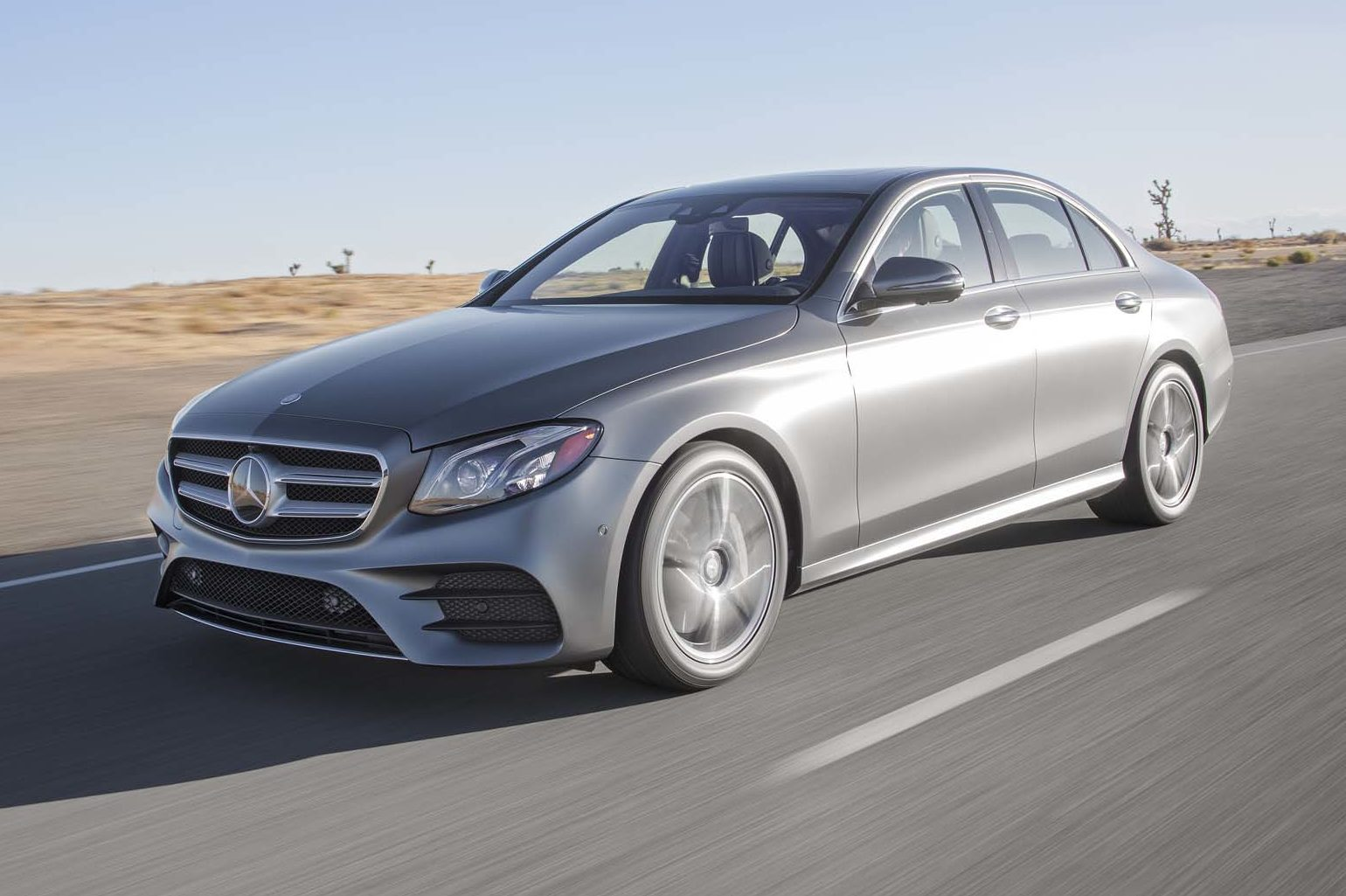 2017 Mercedes Benz E300 Front Three Quarter In Motion E1477933989926