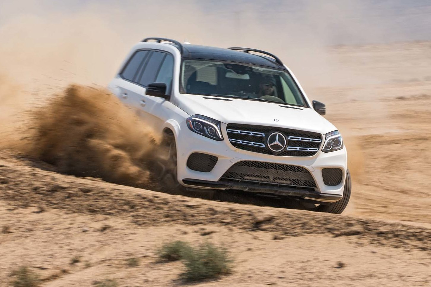 2017 Mercedes Benz GLS550 4Matic Front End In Motion E1477586931691
