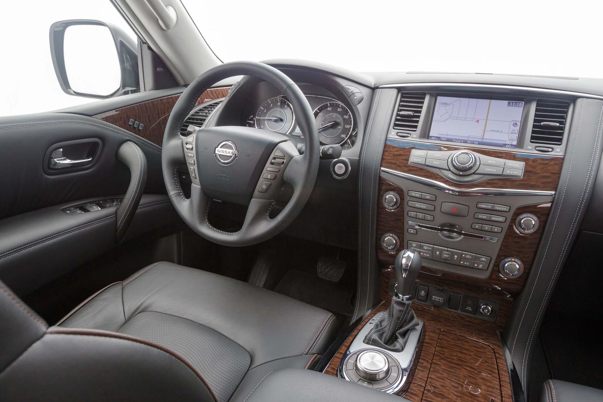 2017-Nissan-Armada-Platinum-interior - Motor Trend en Español