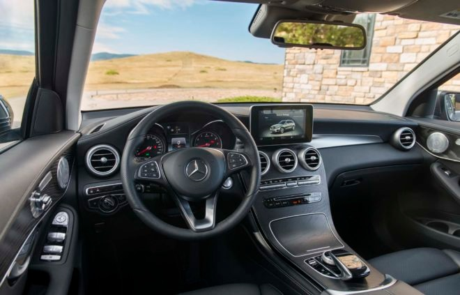 2016 Mercedes Benz GLC 300 4Matic interior view