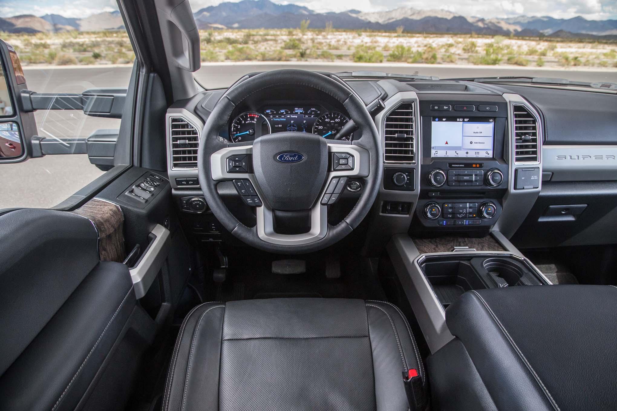 2017-Ford-F-350-Lariat-4x4-67L-cockpit-83