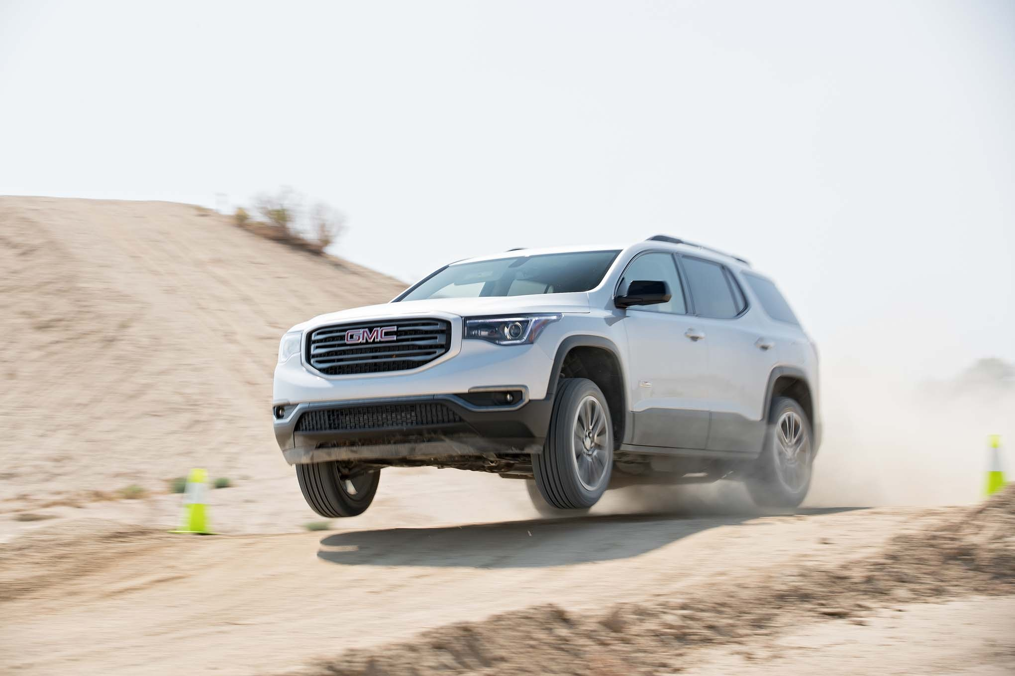 2017 GMC Acadia All Terrain front three quarter in motion 04