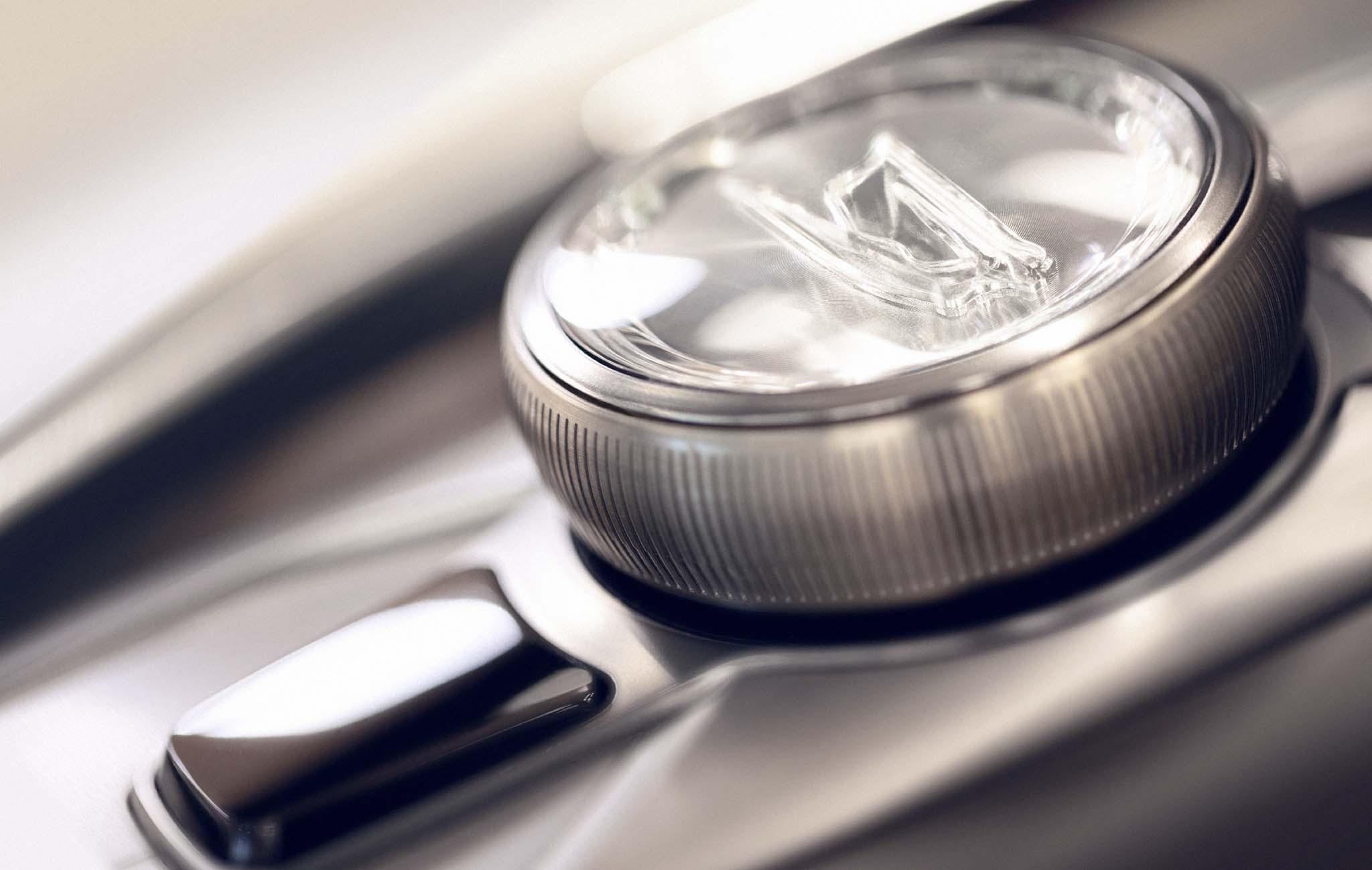 Cadillac Escala Concept controller