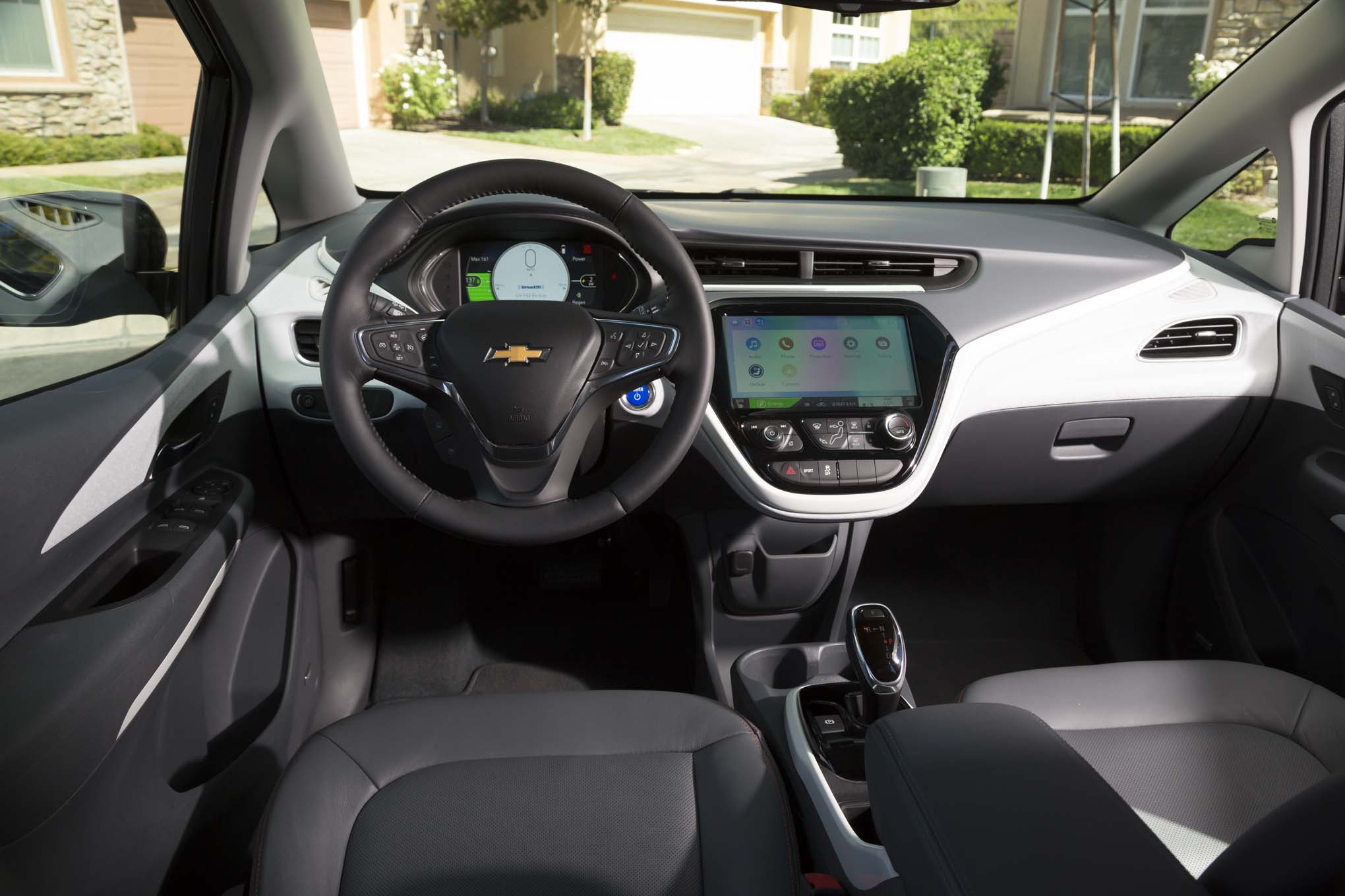 2017-Chevrolet-Bolt-EV-Premier-interior-63