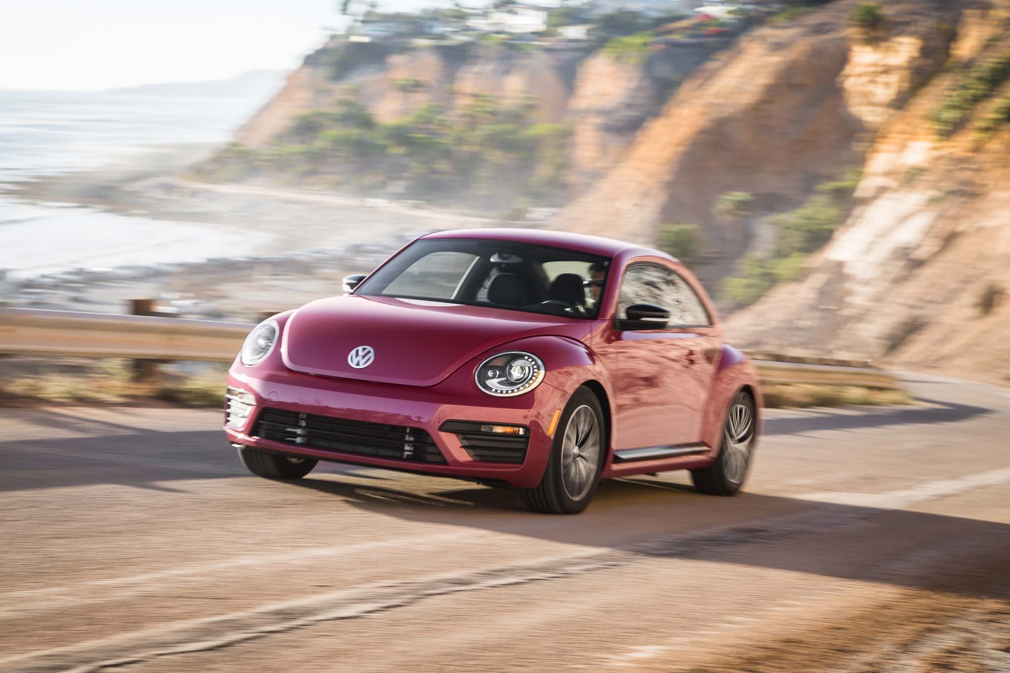 2017 Volkswagen PinkBeetle front three quarter in motion 03
