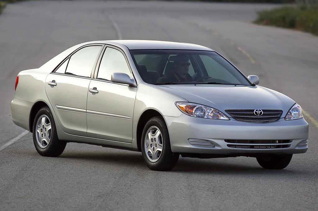 2003-Toyota-Camry-front-side-view