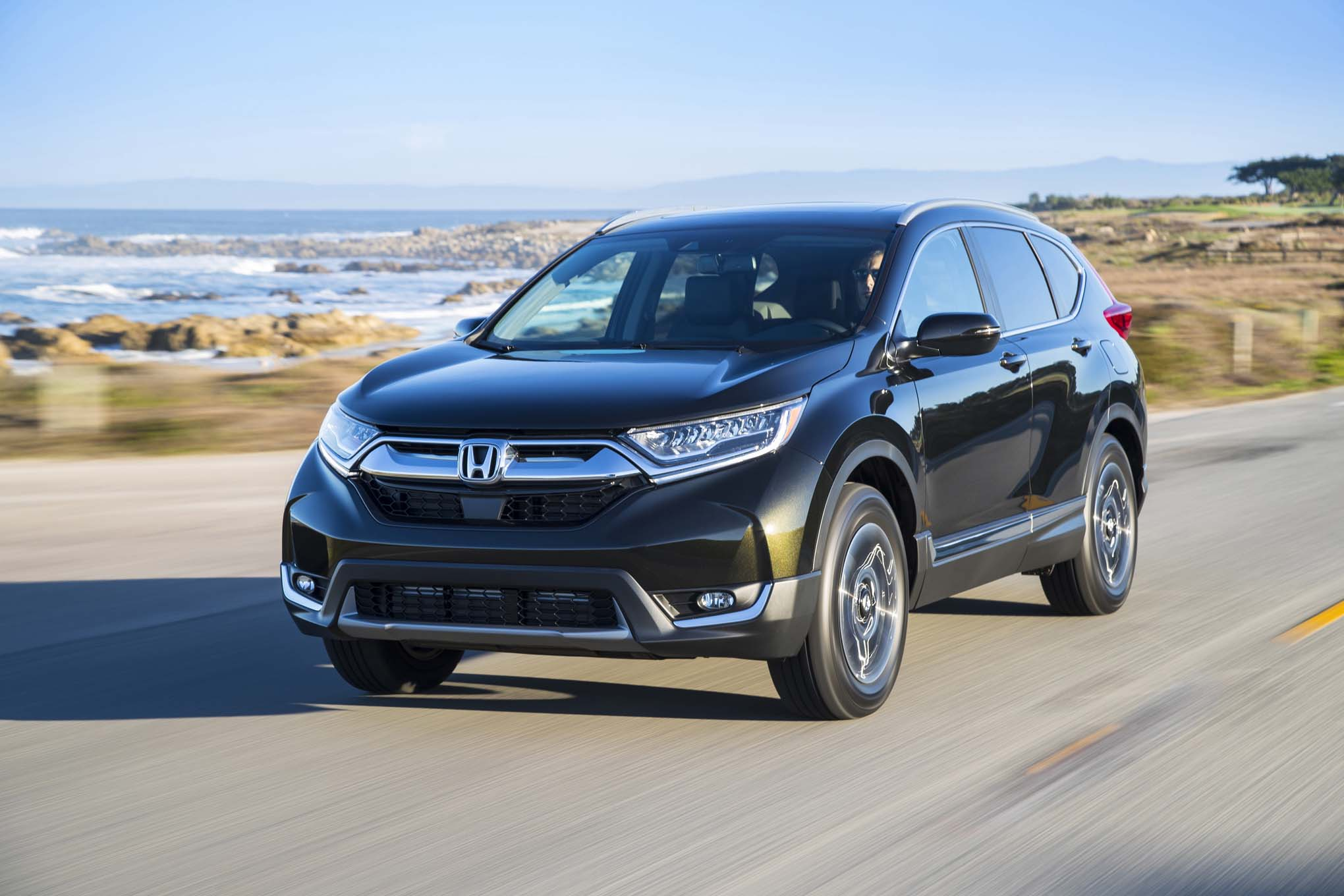 2017-Honda-CR-V-front-three-quarter-in-motion-1-111