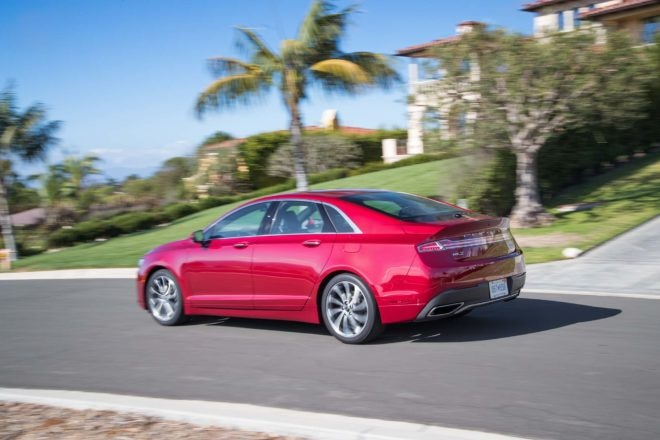2017 Lincoln MKZ 30T AWD rear three quarter in motion