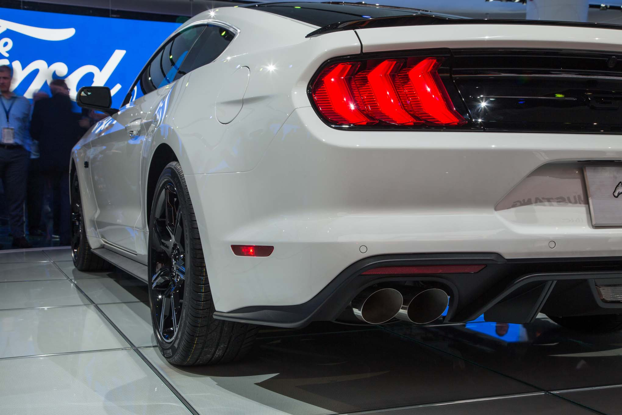 2018 Ford Mustang GT rear quarter panel