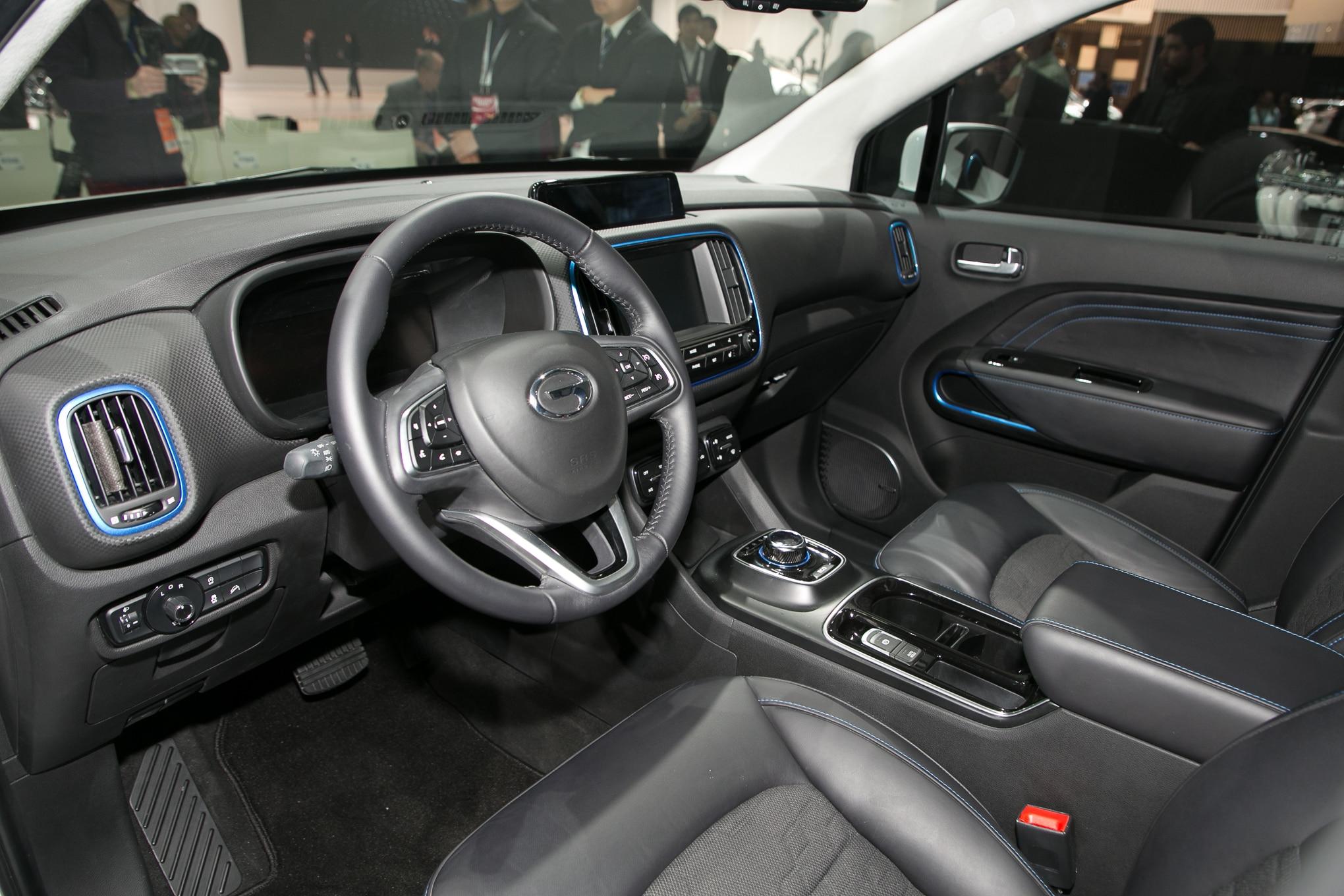 2018-GAC-Trumpchi-GE3-interior-1 - Motor Trend en Español