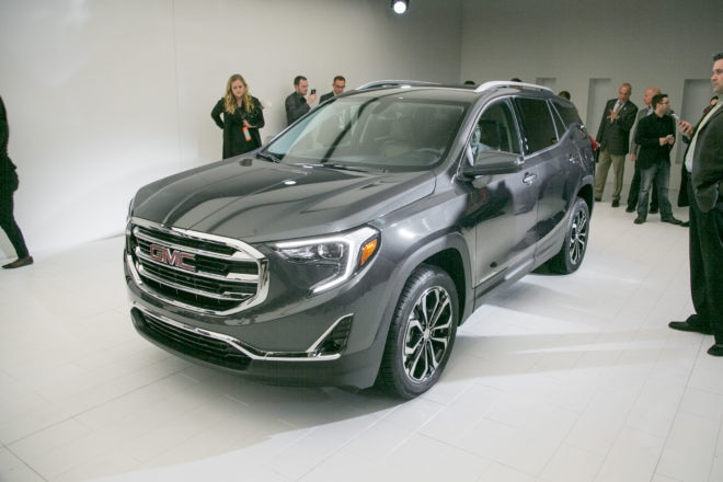 2018 GMC Terrain front three quarters