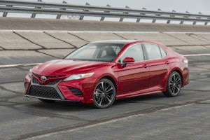 2018 Toyota Camry XSE V 6 Front Three Quarter 300x200