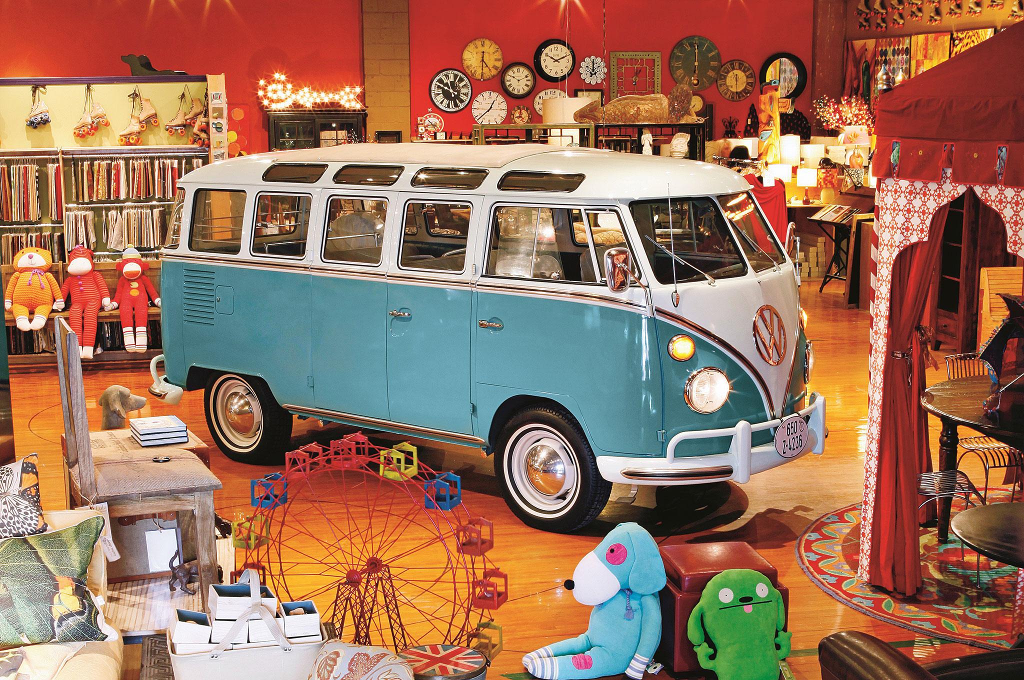 Volkswagen Type 2 Mircobus front three quarter