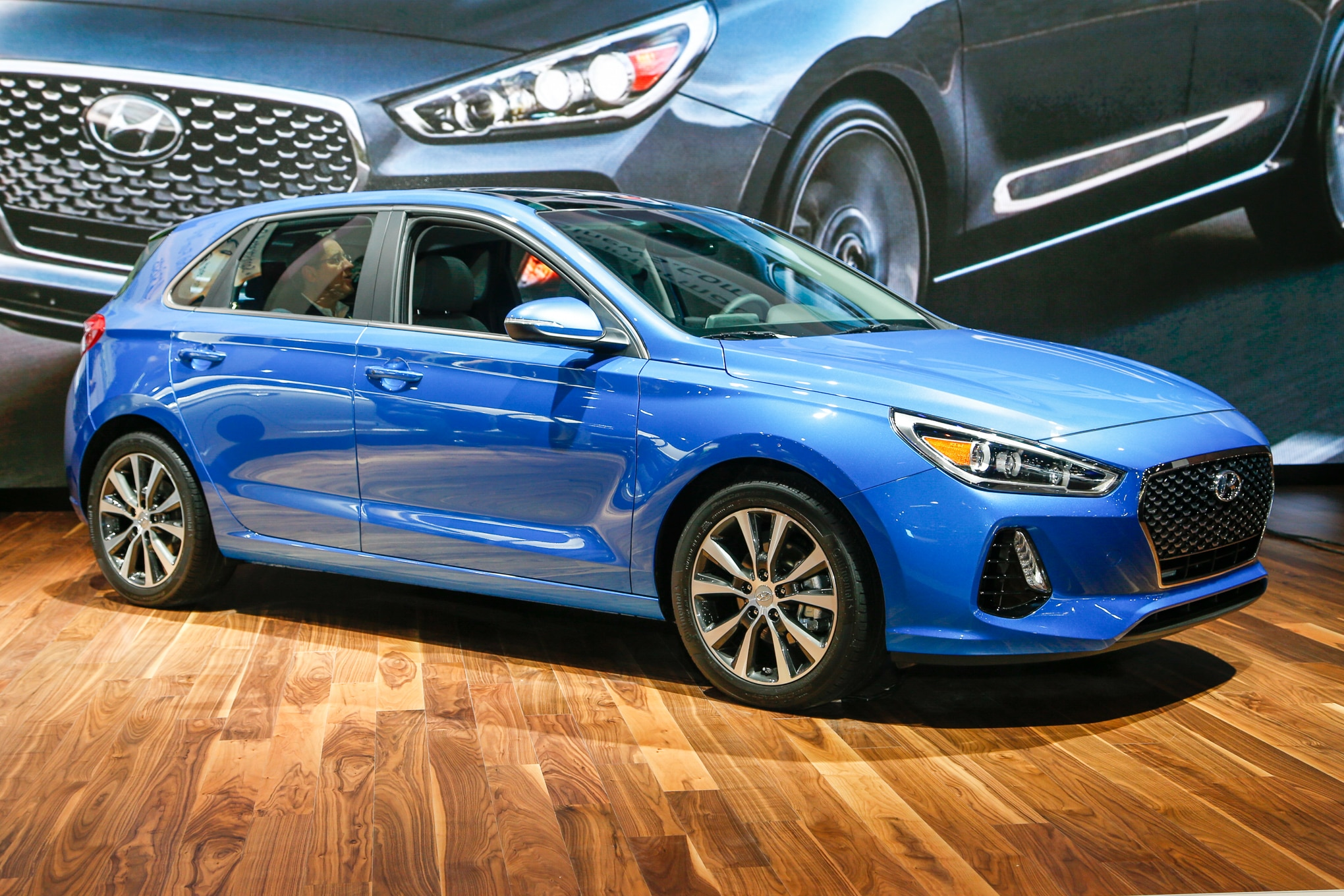 2018 Hyundai Elantra GT Hatchback Front Three Quarter 1