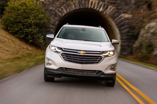 2018 Chevrolet Equinox front end in motion