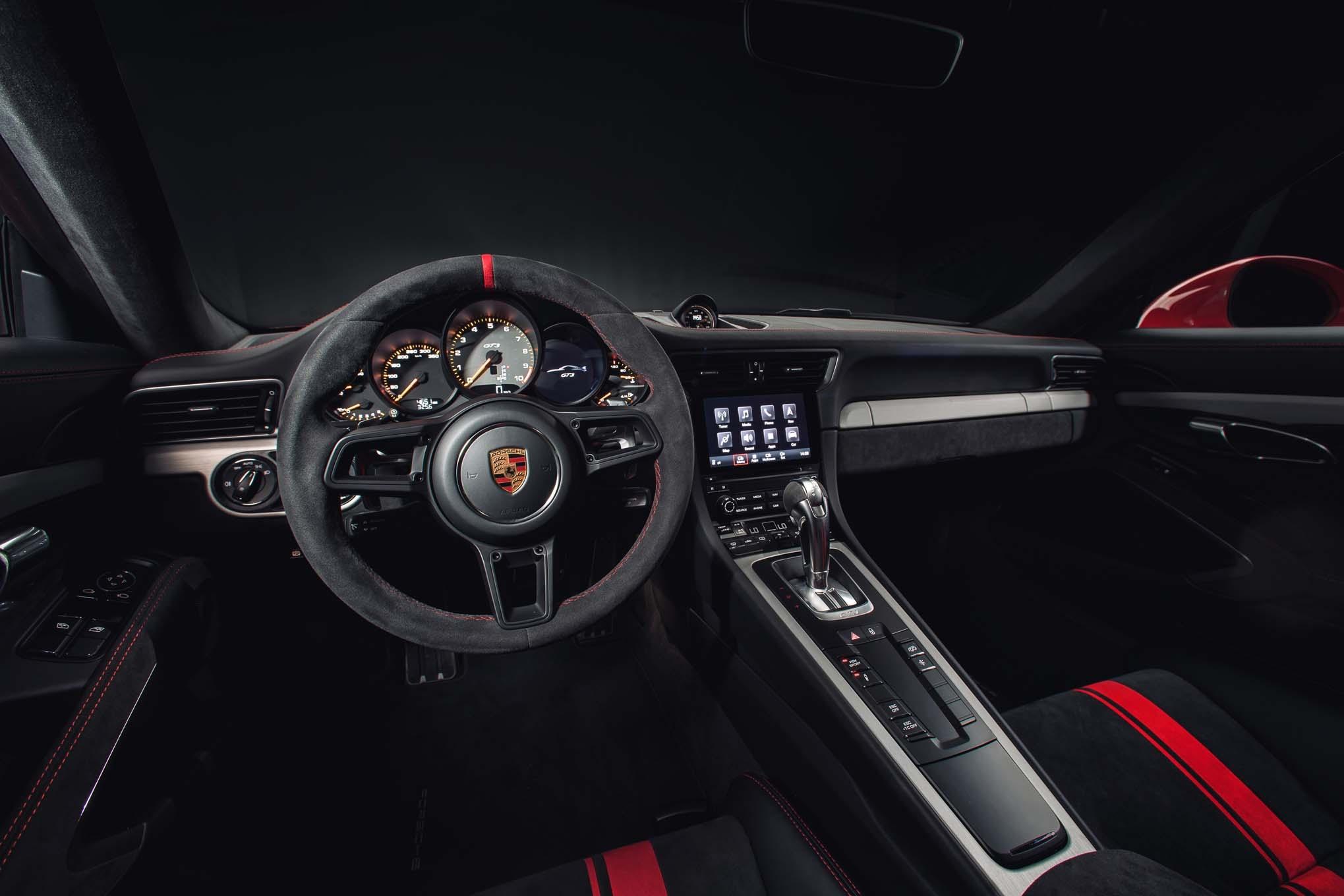 2018 Porsche 911 GT3 cockpit