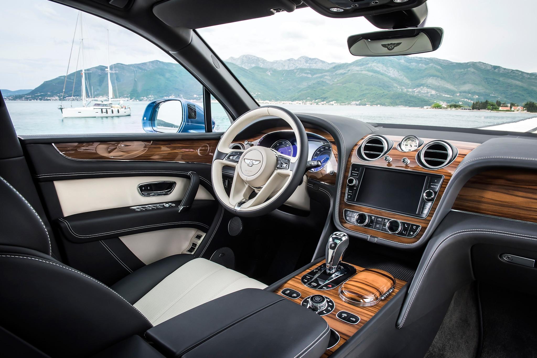 2017 Bentley Bentayga Diesel Cabin