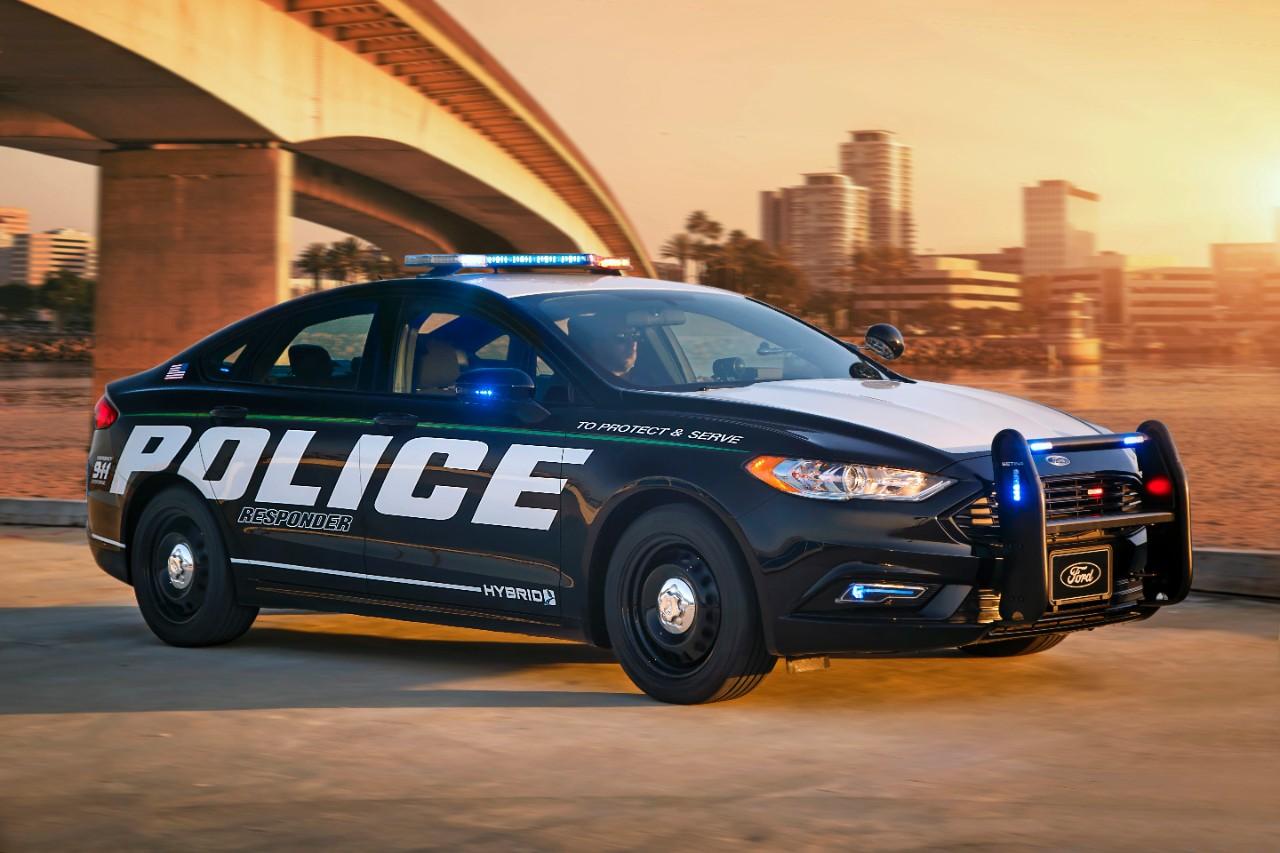 Police Responder Hybrid Sedan 7