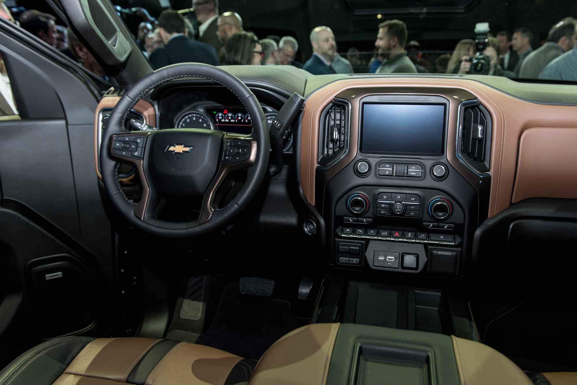 Chevrolet Silverado 1500 2019 Primer Vistazo Motor