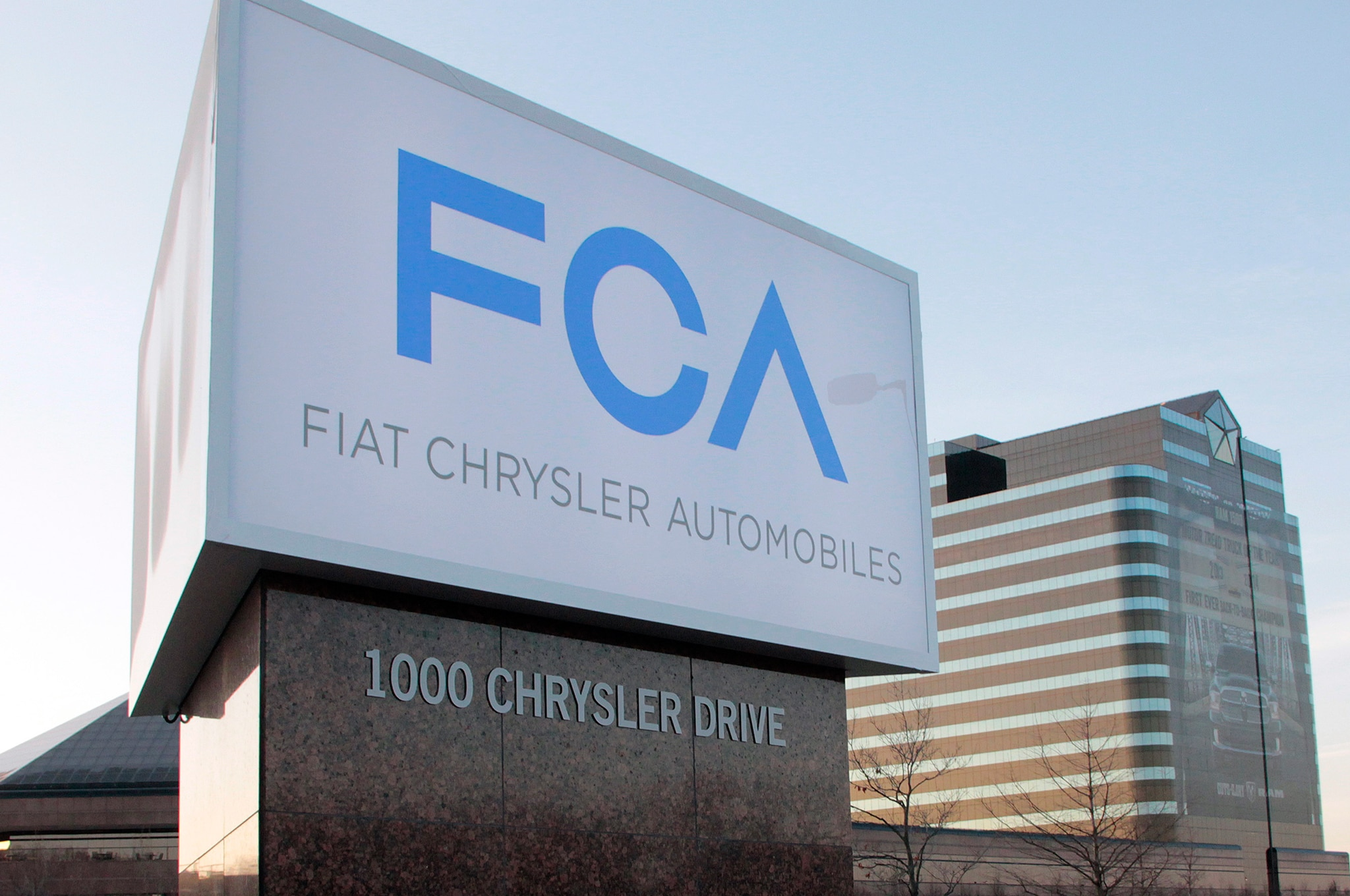 Fiat Chrysler Automobiles New Sign Complete1