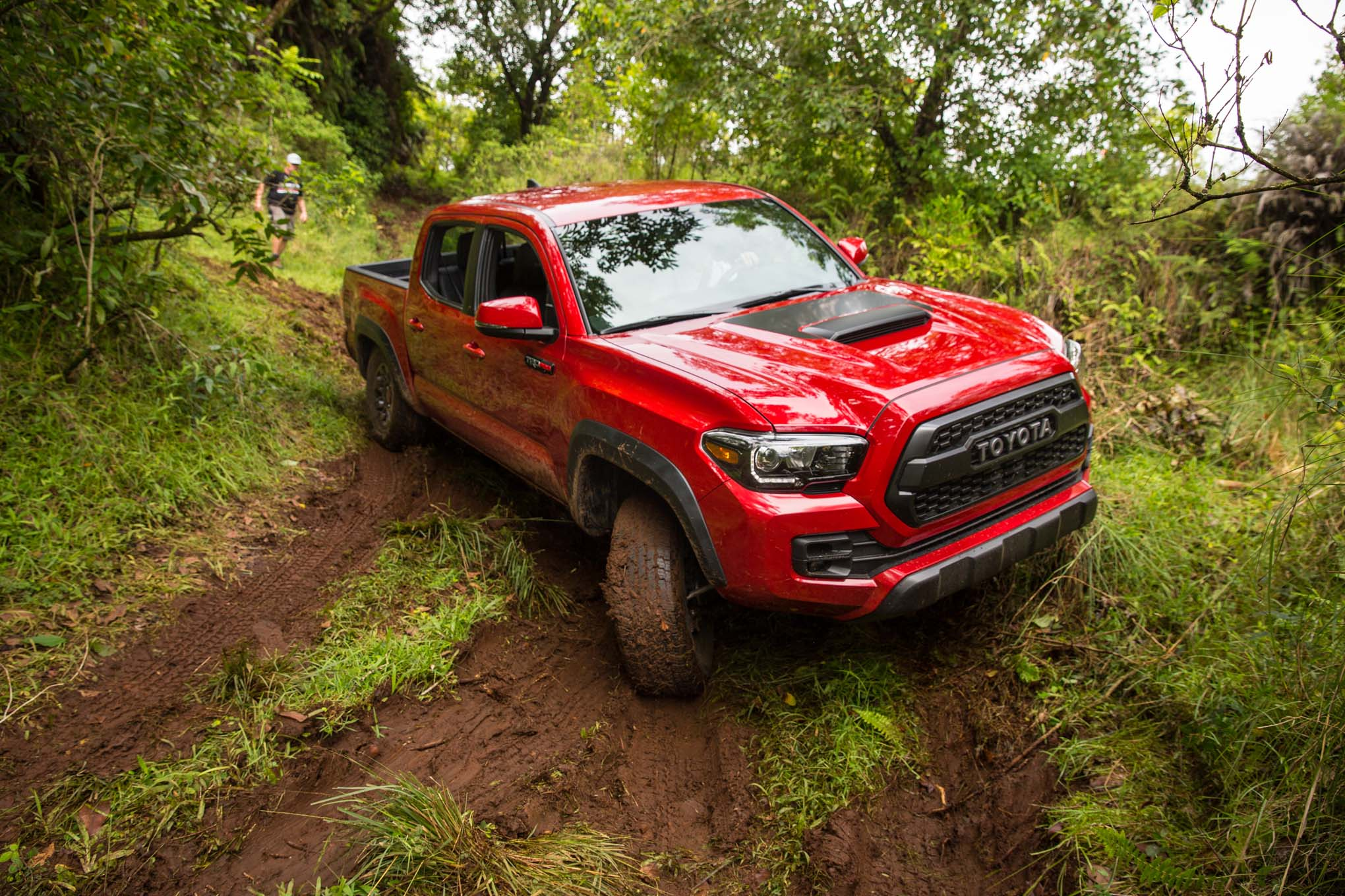 2017 Toyota Tacoma 4x4 TRD Pro Front Three Quarter Off Road 04