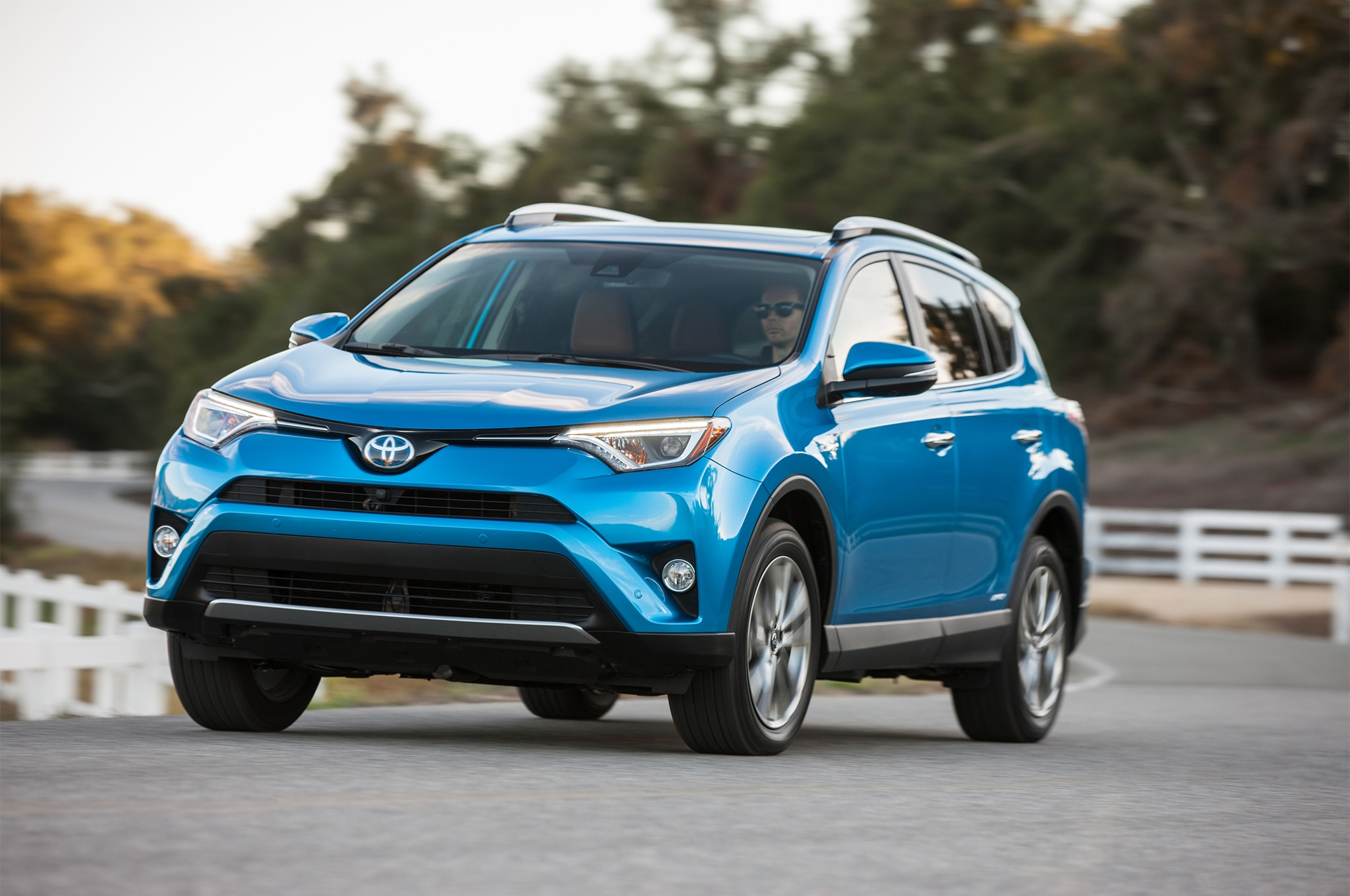 toyota rav4 2019 lo que debemos de esperar del pr ximo crossover motor trend en espa ol. Black Bedroom Furniture Sets. Home Design Ideas