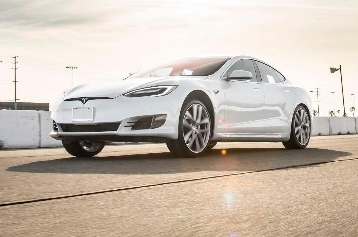 2017 Tesla Model S P100D Front Three Quarter In Motion 03 E1486428185861