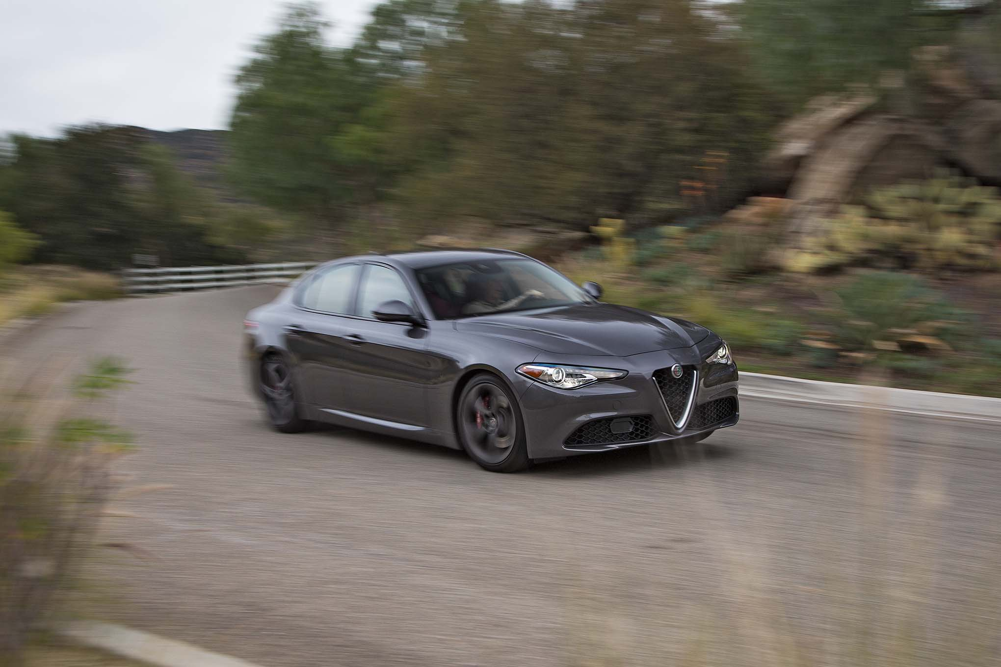 2017 Alfa Romeo Giulia 20 front three quarter turn