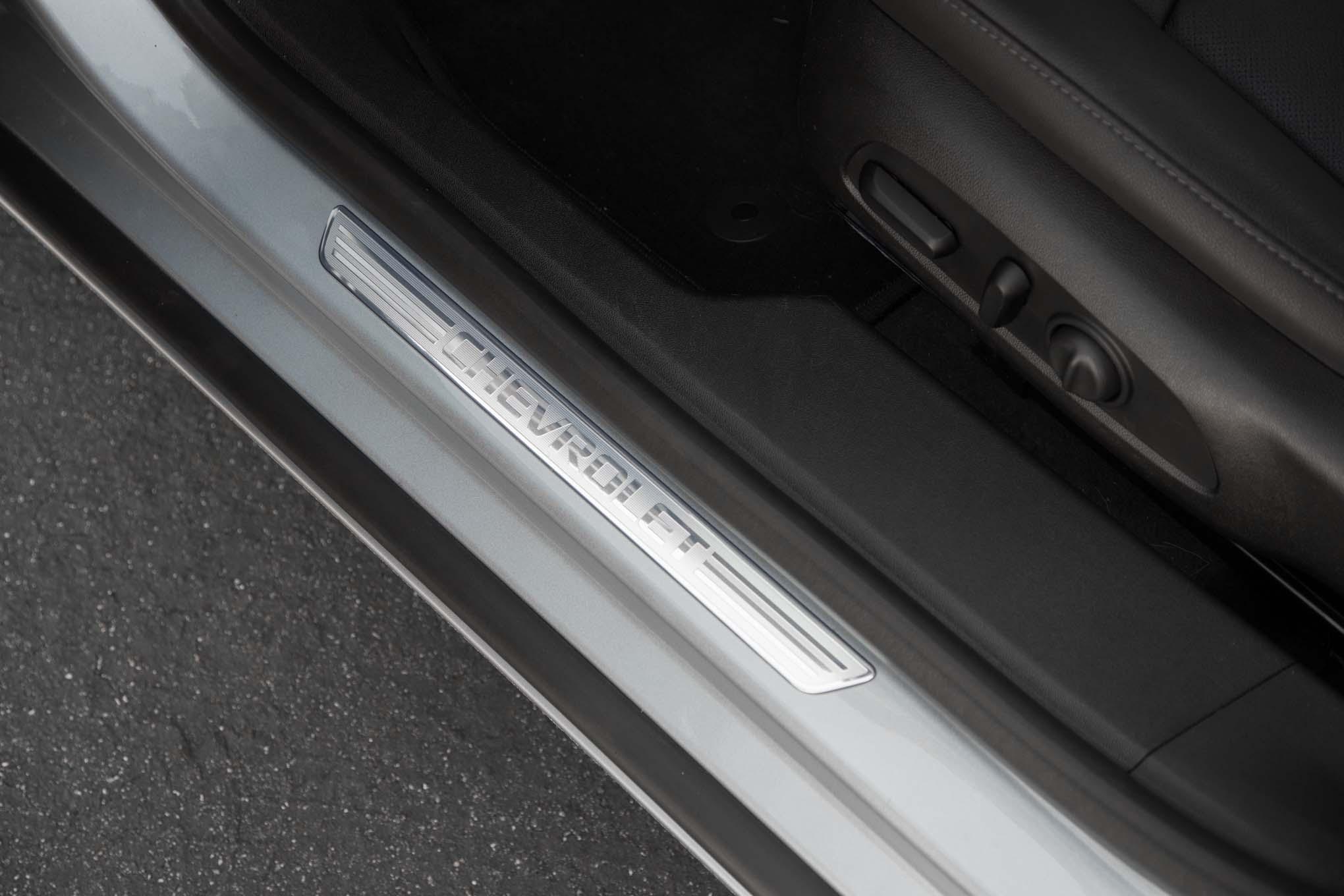 2017 Chevrolet Malibu 20t Premier Door Sill Motor Trend