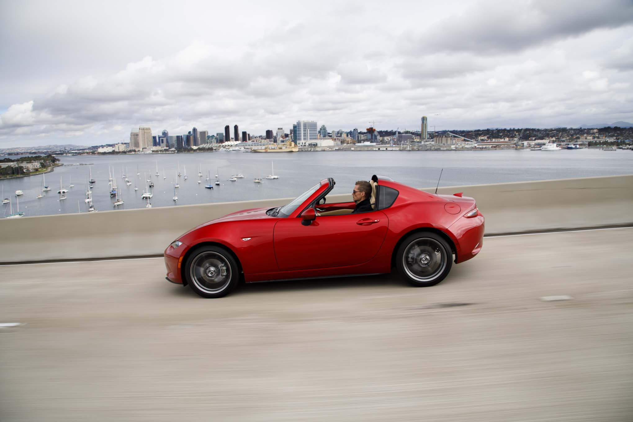 2017 Mazda MX 5 Miata RF side in motion 02