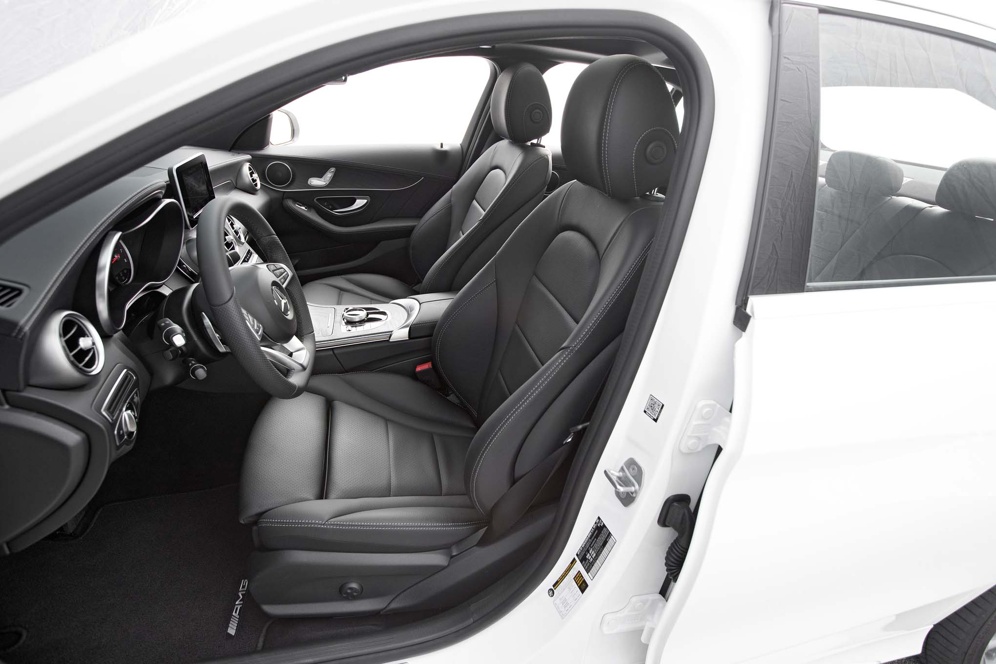 2017 Mercedes Benz C300 front interior seats