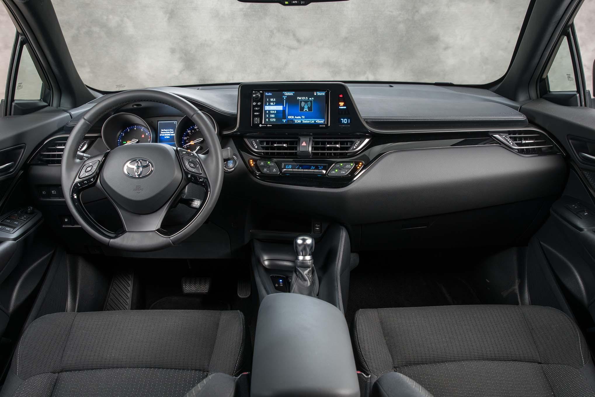 2018 Toyota C HR interior view - Motor Trend en Español