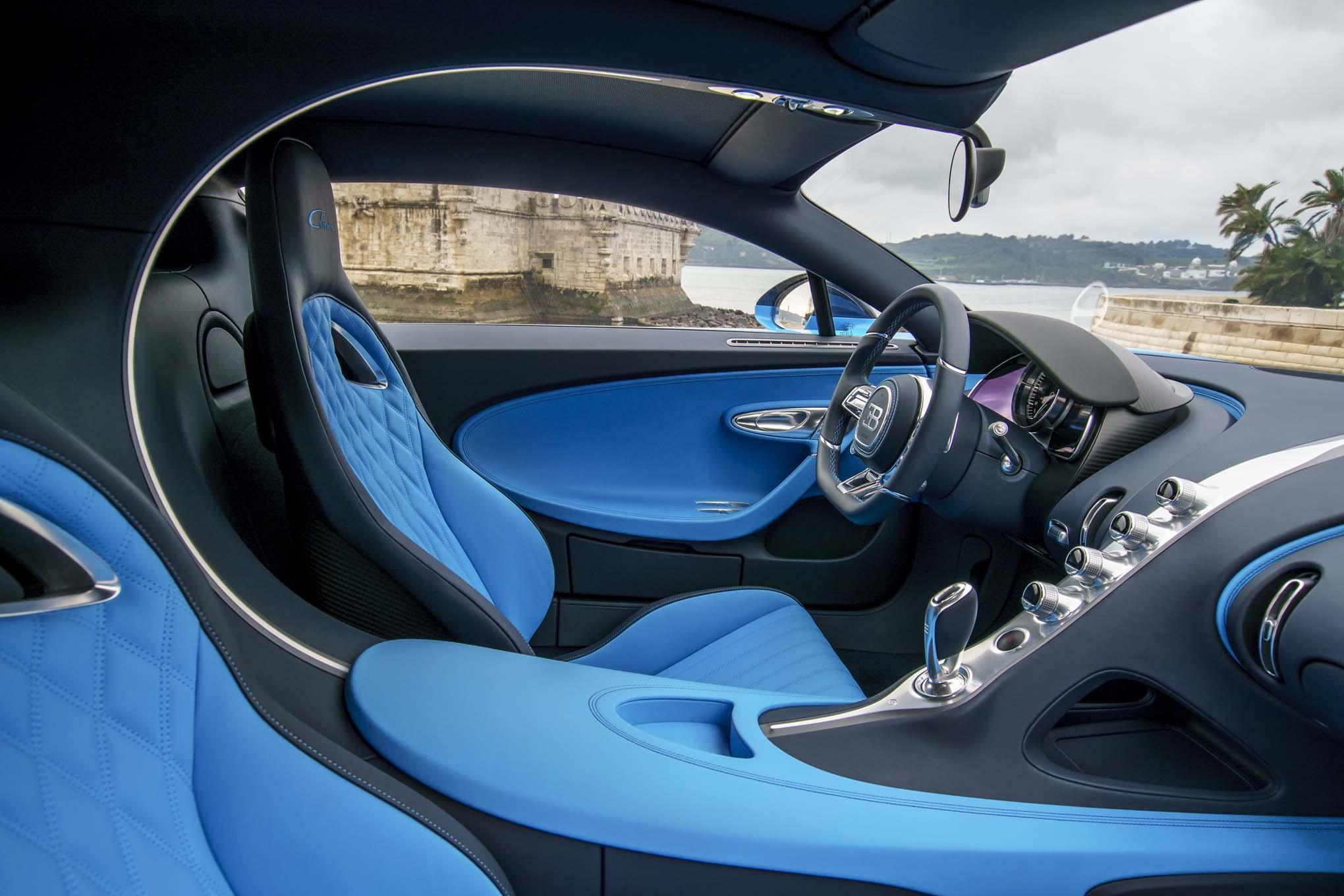 Bugatti Chiron front interior